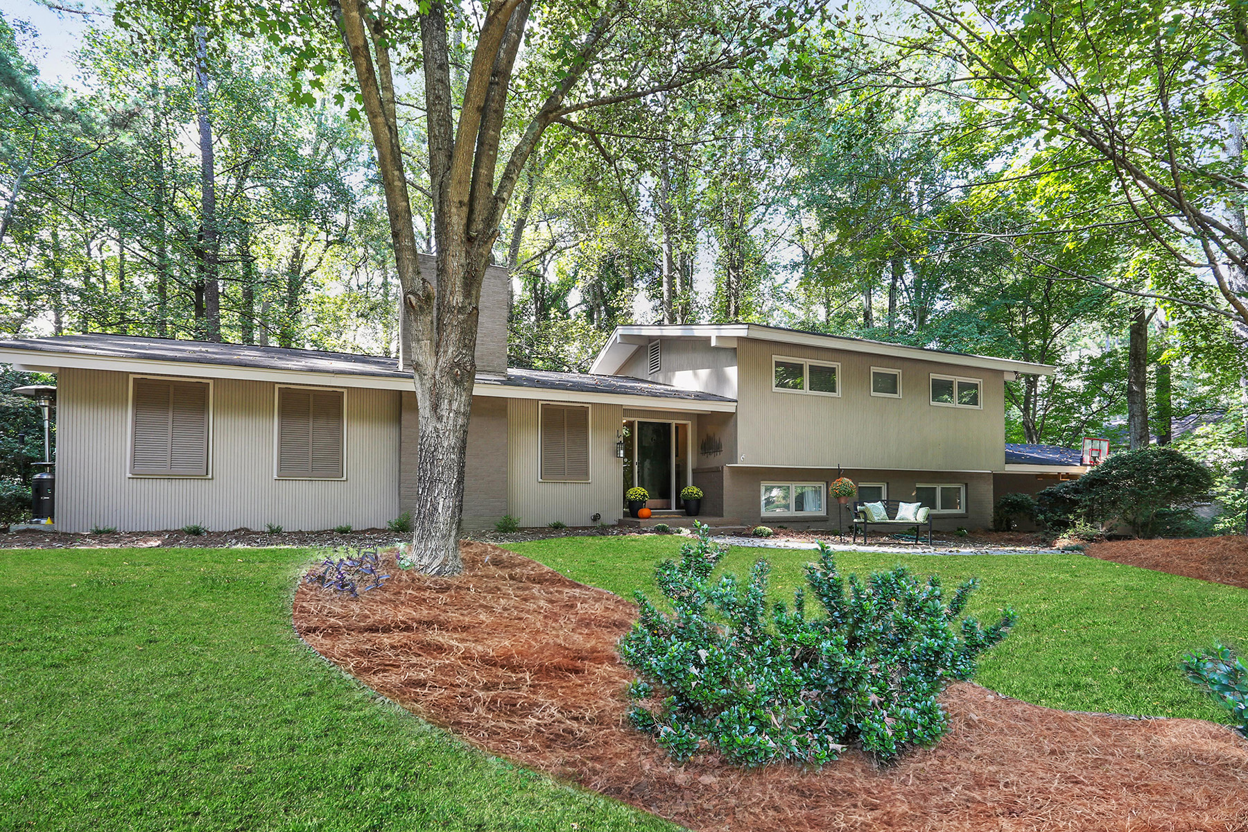Single Family Home for Sale at Custom Designed Mid-Century Modern With Captivating Outdoor Spaces 7280 Hunters Branch Drive Sandy Springs, Georgia 30328 United States