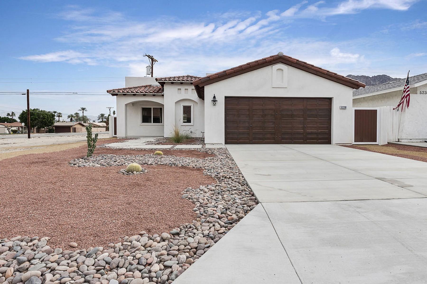 独户住宅 为 销售 在 52290 Avenida Vallejo La Quinta, 加利福尼亚州, 92253 美国