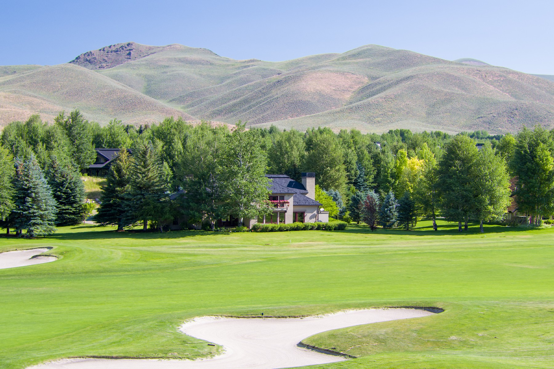 Additional photo for property listing at Stunning Elkhorn Golf Course Views 104 Elkhorn Rd Sun Valley, Idaho 83353 United States