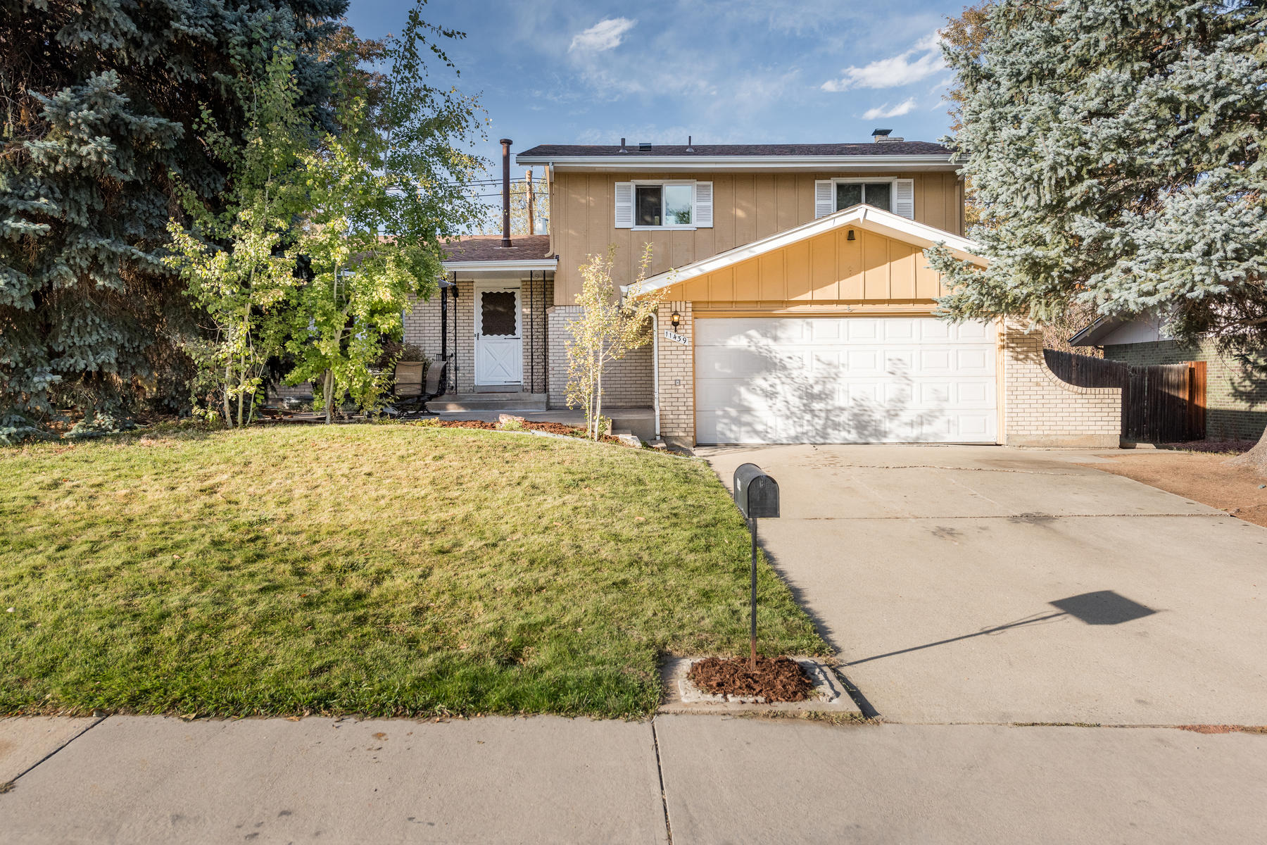 Single Family Homes for Sale at Wonderful, Updated Arvada Home 11439 W 59th Pl Arvada, Colorado 80004 United States