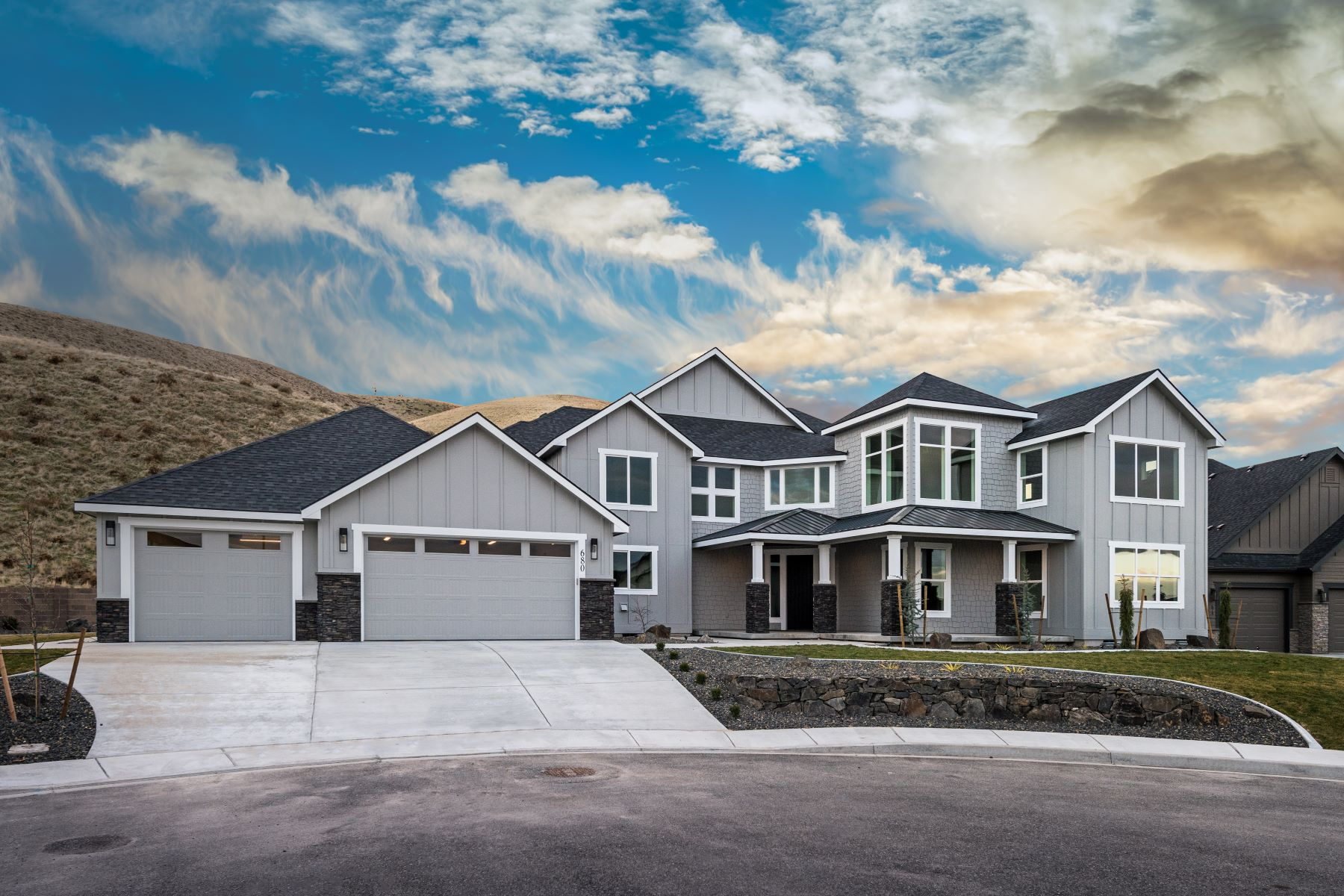 Single Family Home for Sale at New Construction 680 Isola Vista Road Richland, Washington 99352 United States