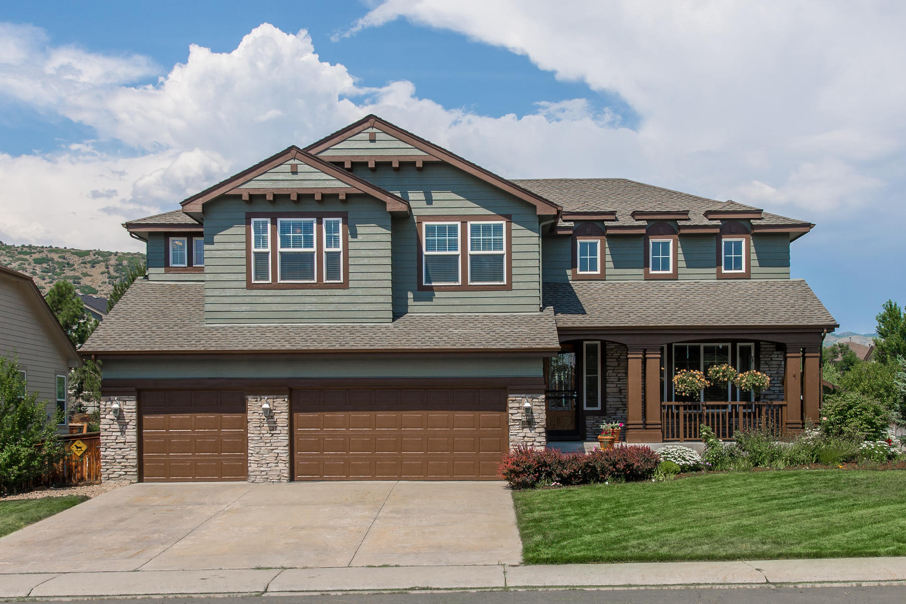 Single Family Home for Active at One of the largest and most open floor plan currently being offered in Trailmark 9343 S Holland Way Littleton, Colorado 80127 United States