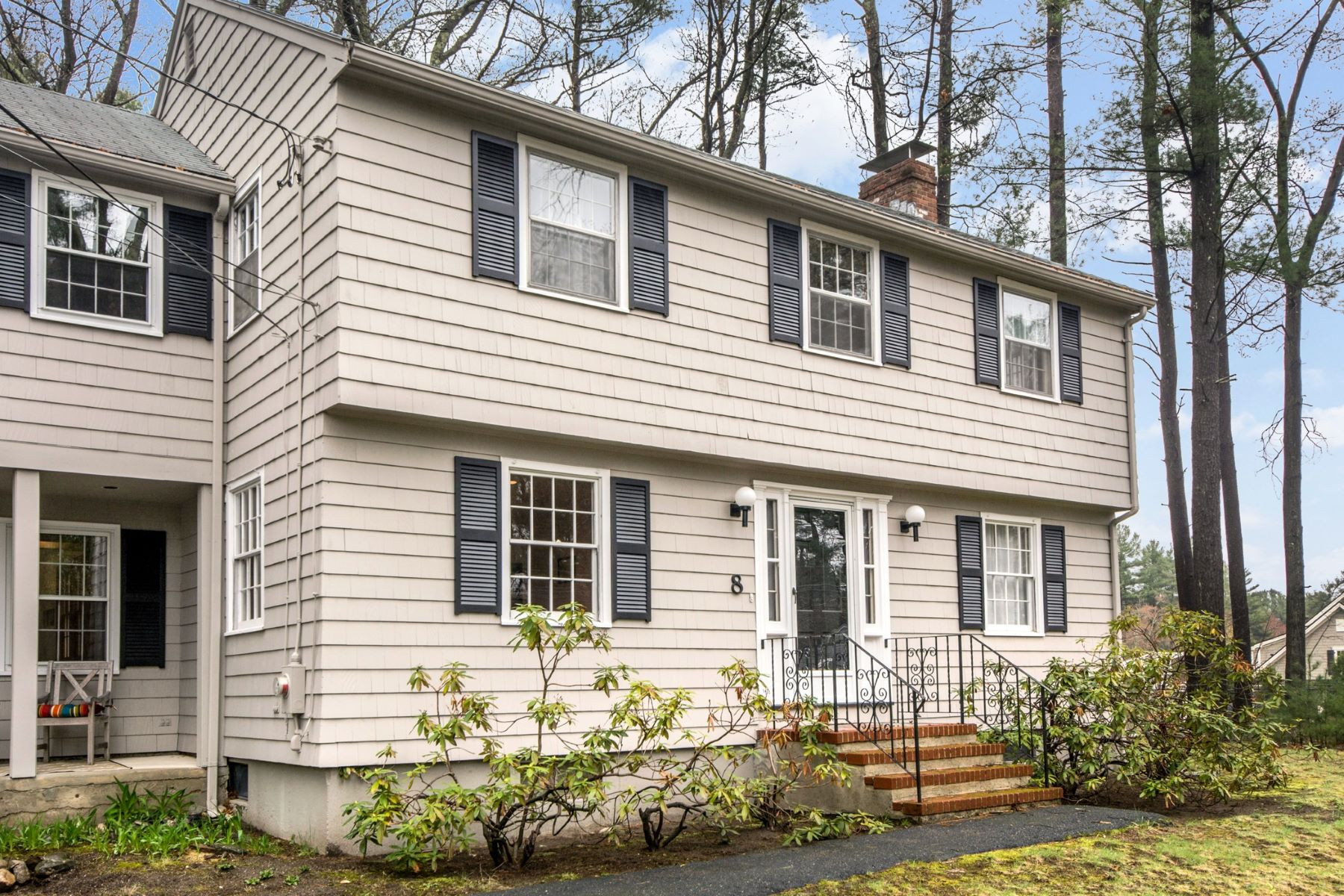 Single Family Home for Active at 8 Reed Lane, Bedford 8 Reed Ln Bedford, Massachusetts 01730 United States