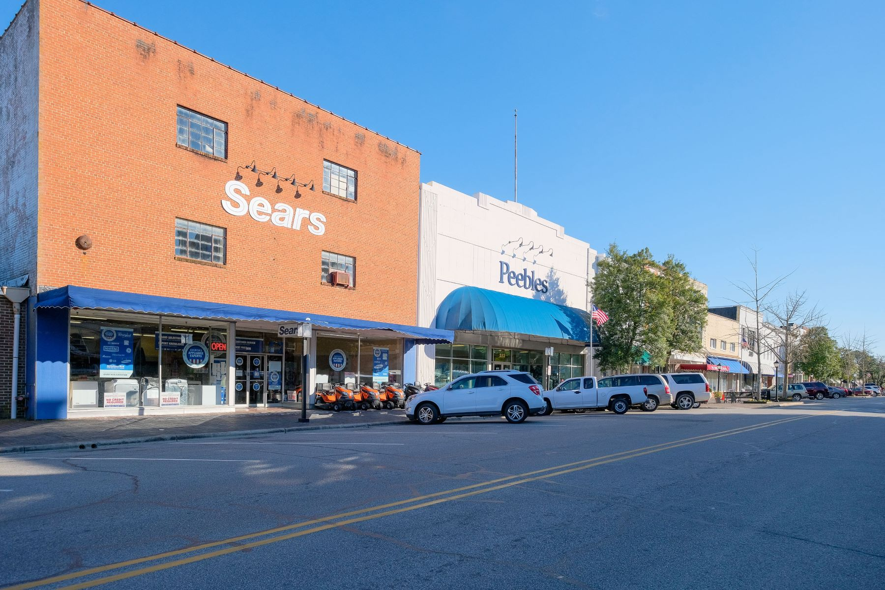 Additional photo for property listing at Sears Building Main Street Edenton 211 S Broad St Edenton, North Carolina 27932 United States
