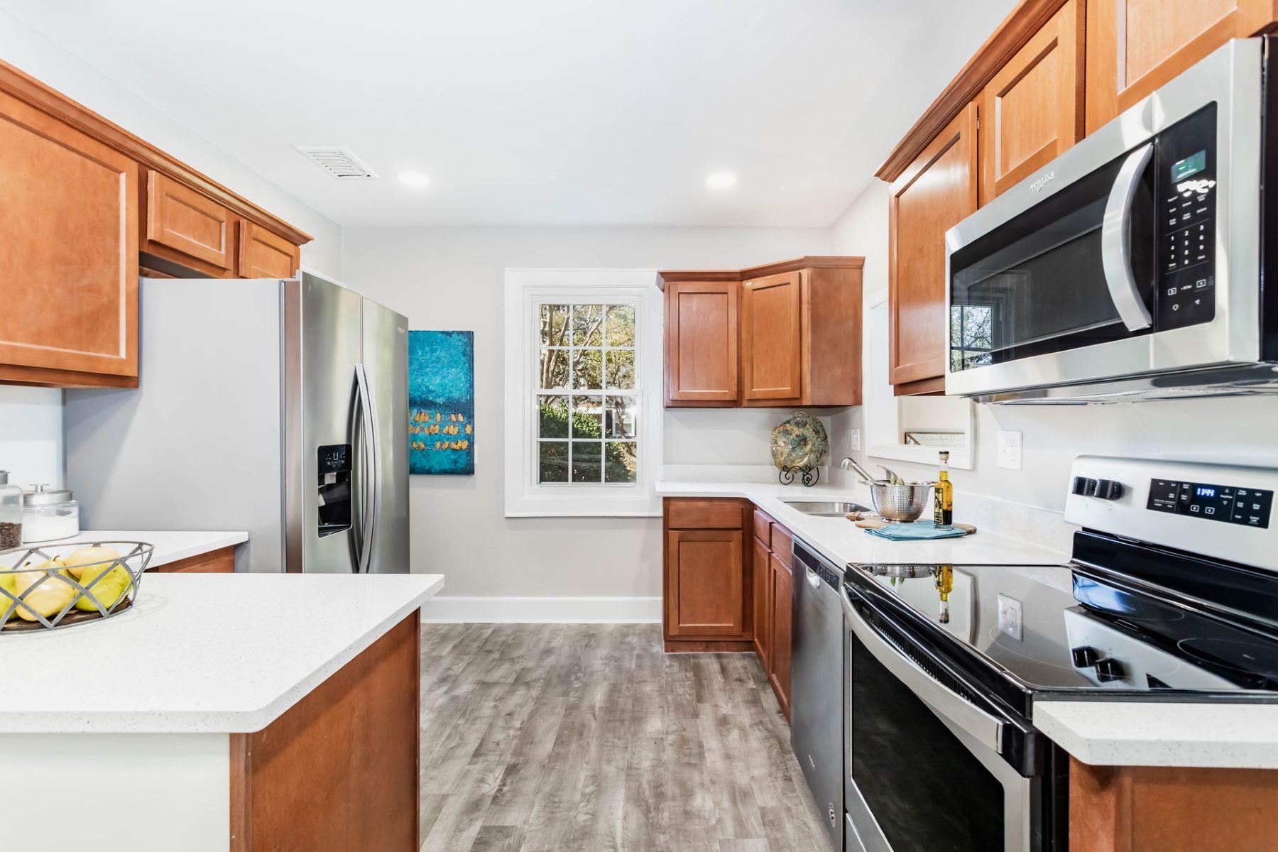 Single Family Homes por un Venta en Rose Gardens 328 Sterling St Norfolk, Virginia 23505 Estados Unidos