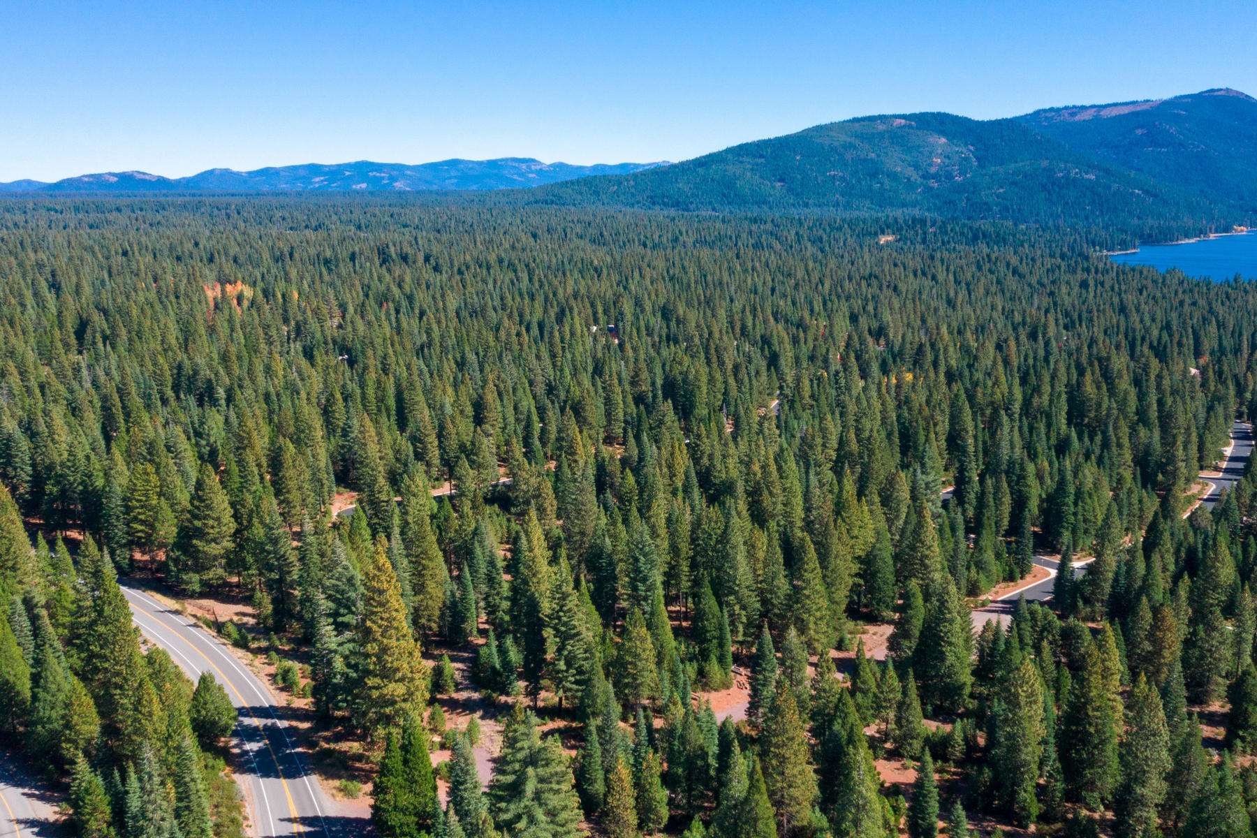 Additional photo for property listing at 1496 Walker Memorial Highway A-13 Lake Almanor, California 96137 United States