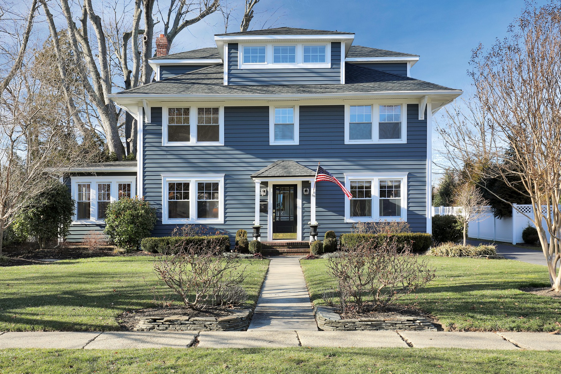Maison unifamiliale pour l Vente à 96 Harvard Road Fair Haven, New Jersey, 07704 États-Unis
