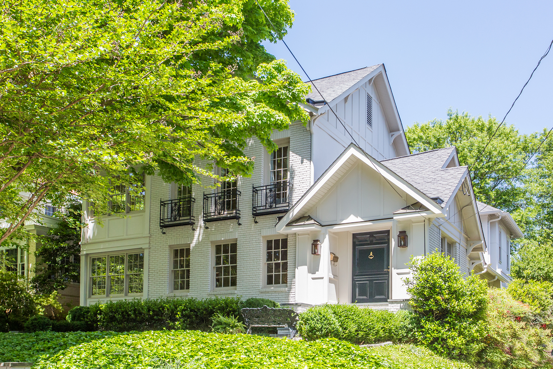 Single Family Home for Sale at Exquisite Renovation in Brookwood Hills 66 Huntington Rd NE Atlanta, Georgia 30309 United States