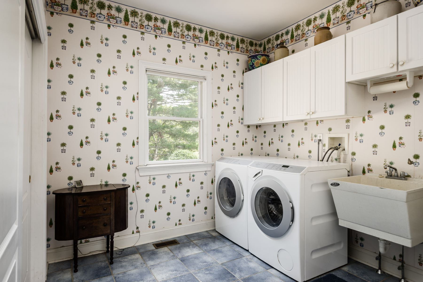 Additional photo for property listing at You Just Won't Match This One 72 West Shore Drive Pennington, New Jersey 08534 Vereinigte Staaten