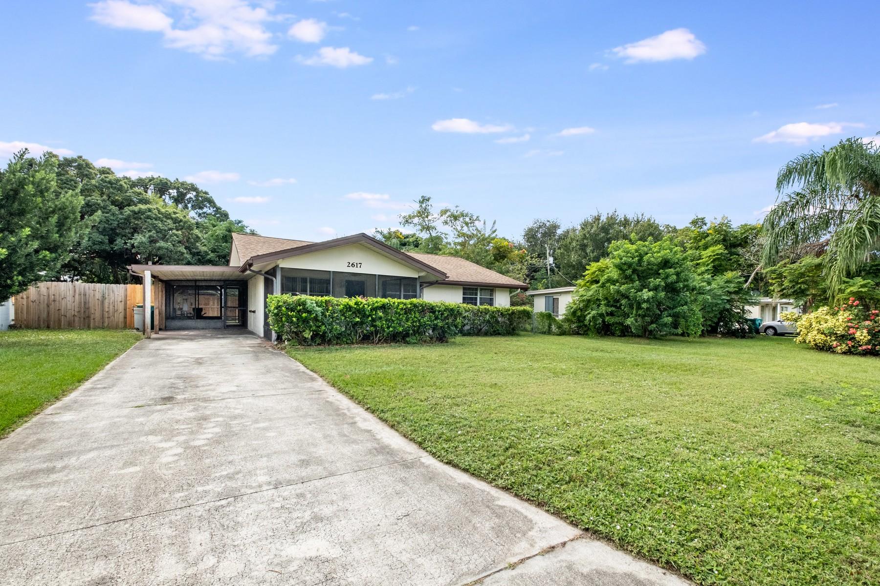 Single Family Homes por un Venta en Bowe Gardens 2617 Burns Avenue, Melbourne, Florida 32940 Estados Unidos