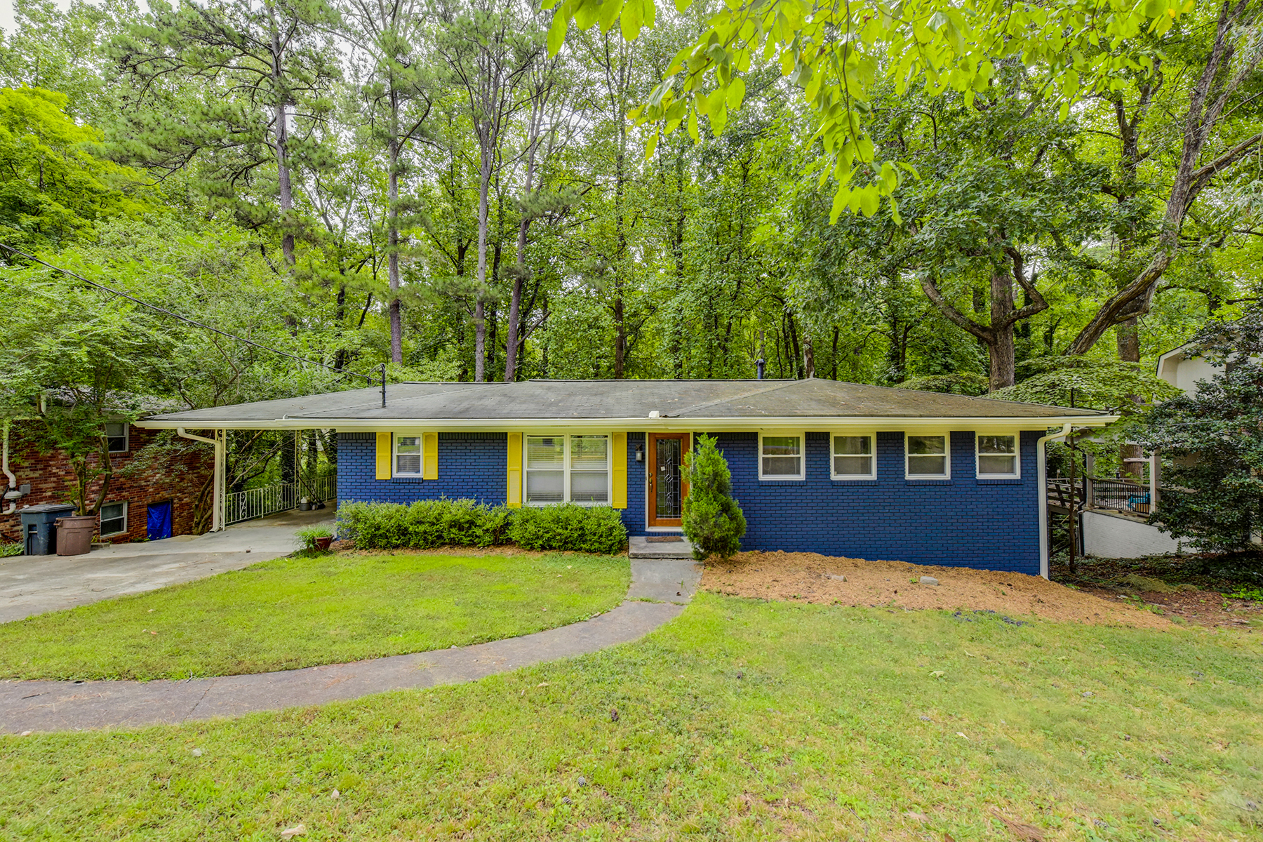 Single Family Home for Sale at Charming Chamblee Ranch 2487 Woodacres Rd Chamblee, Georgia 30345 United States