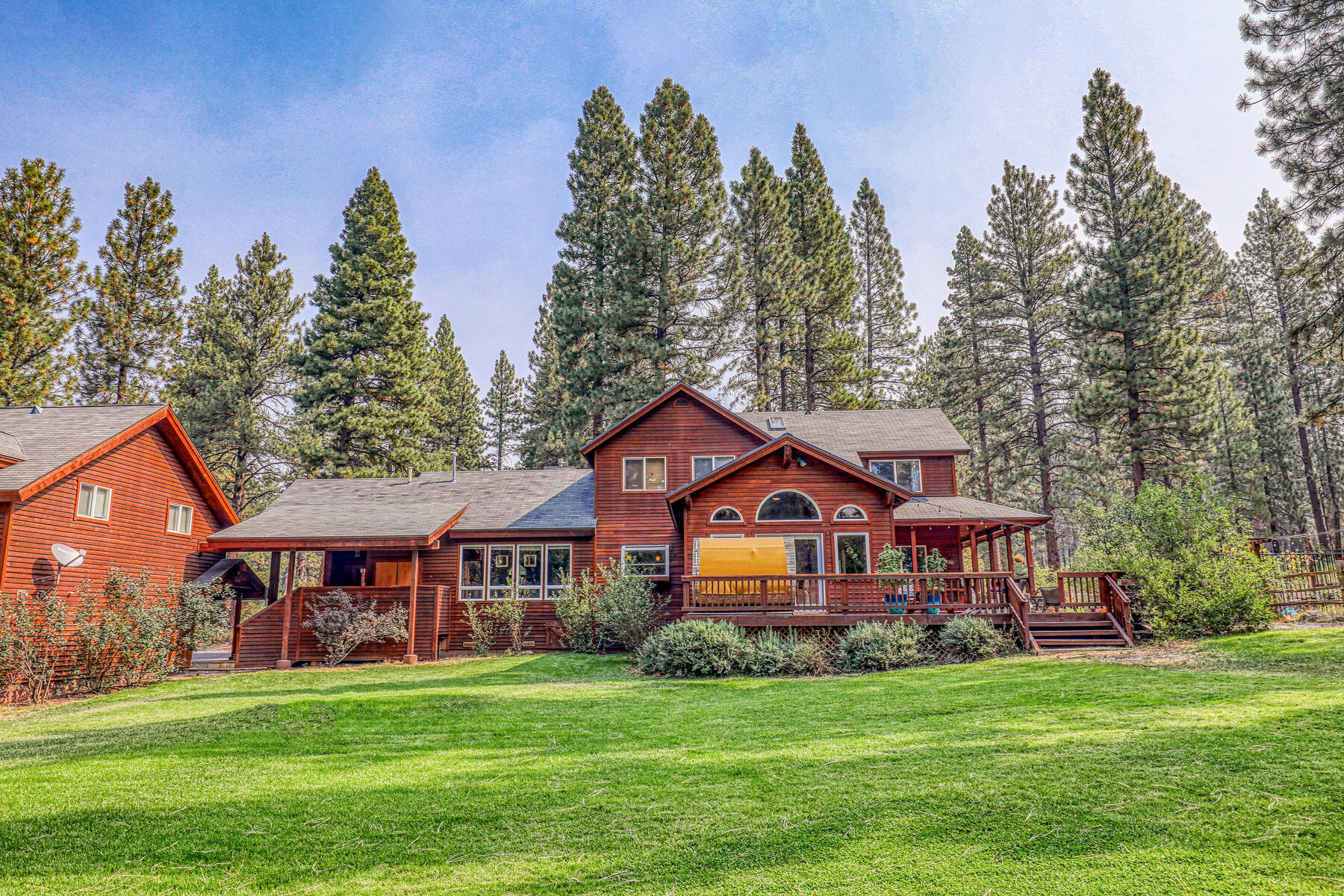 Single Family Homes for Active at Best Kept Secret In Truckee is Out 10915 Royal Crest Drive Truckee, California 96161 United States
