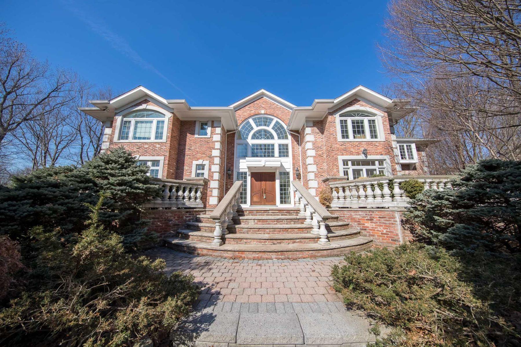Vivienda unifamiliar por un Venta en Beautiful Property 19 Woodhill Rd, Tenafly, Nueva Jersey 07670 Estados Unidos