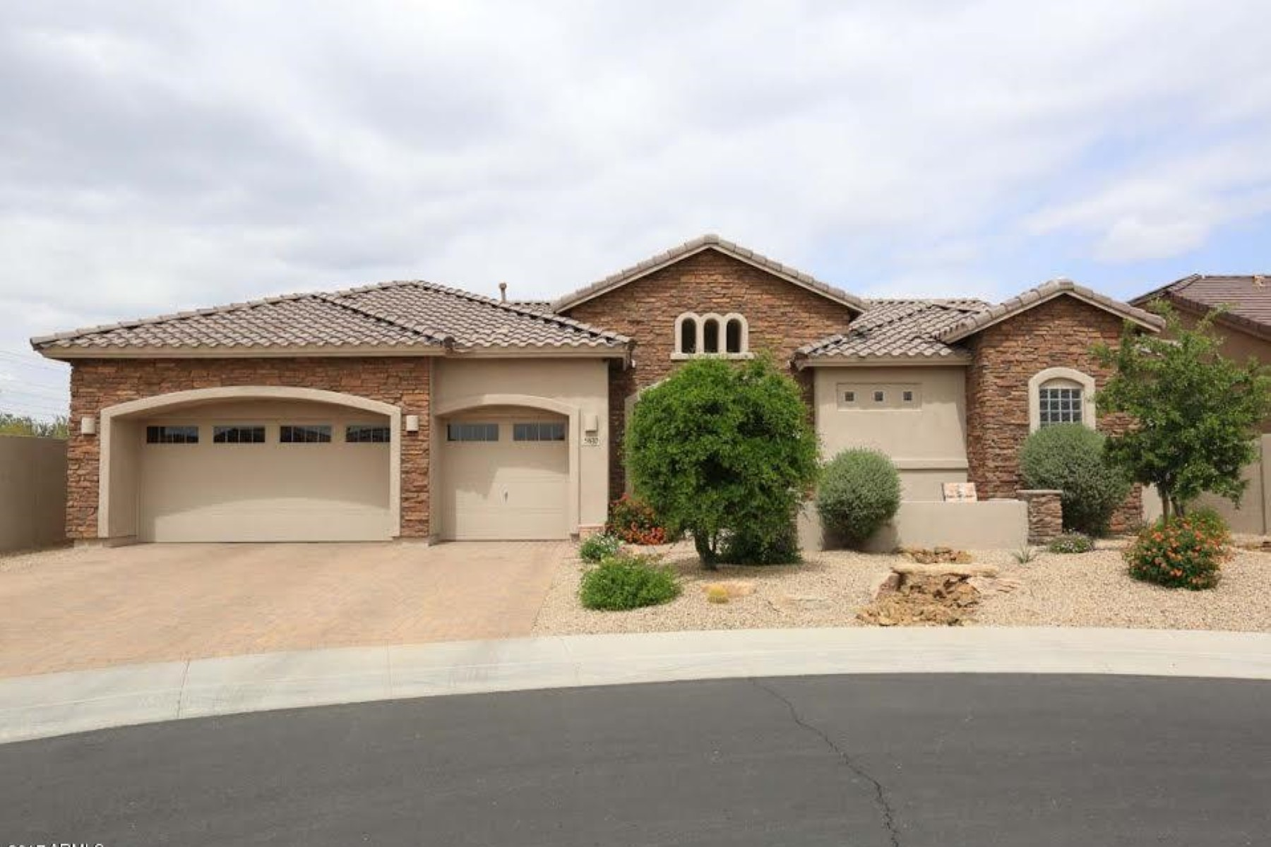 Single Family Home for Sale at Charming home in the highly desirable Lone Mountain Ranch gated community 5610 E Sleepy Ranch Rd Cave Creek, Arizona, 85331 United States