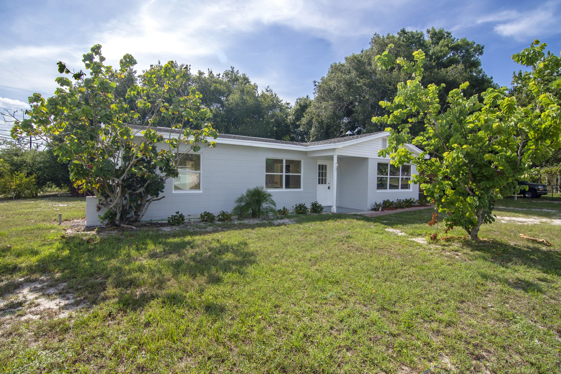 Completely Renovated Home on a Large Corner Lot 2359 1st Court SE Vero Beach, Florida 32962 Estados Unidos