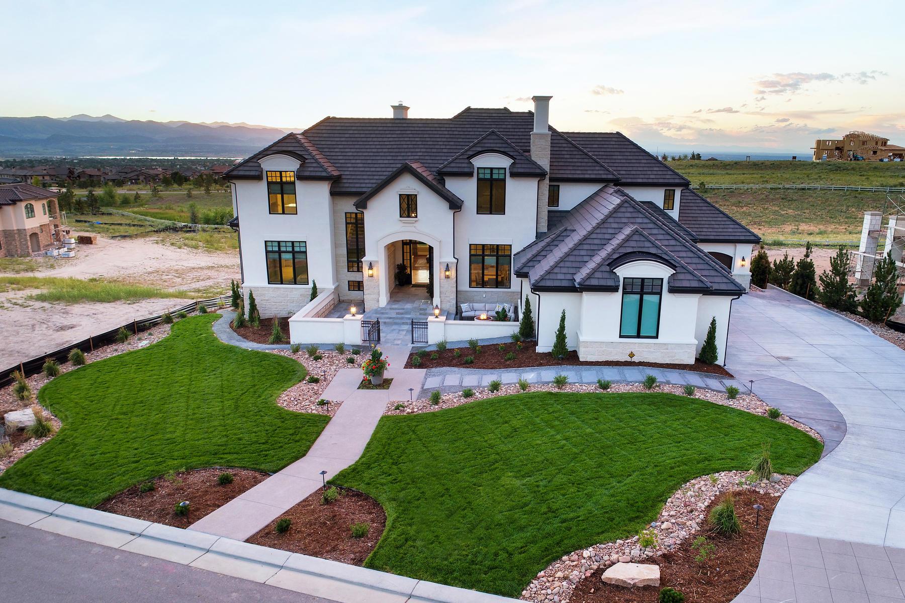 "Casa Unifamiliar por un Venta en Masterful design meets timeless finish and ""voila"" you have this exquisite home 10969 Skydance Dr Highlands Ranch, Colorado 80126 Estados Unidos"