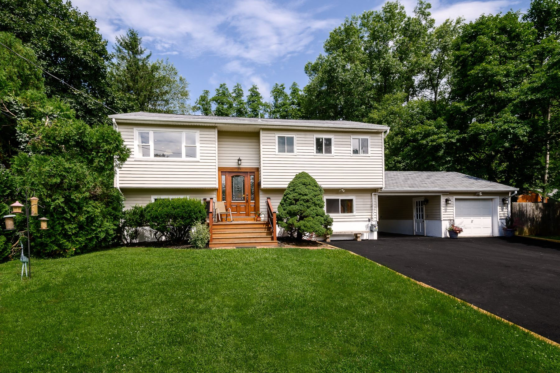 Single Family Homes for Sale at A Stylish Update Behind An Unassuming Exterior 38 Taylor Terrace Hopewell, New Jersey 08525 United States