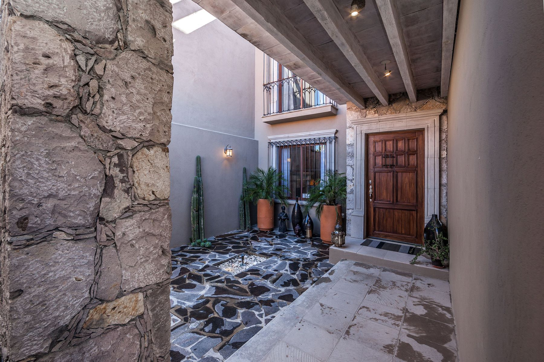 Additional photo for property listing at Tormentosa Tormentosa 14 Paseo Real San Miguel De Allende, Guanajuato 37700 Mexico