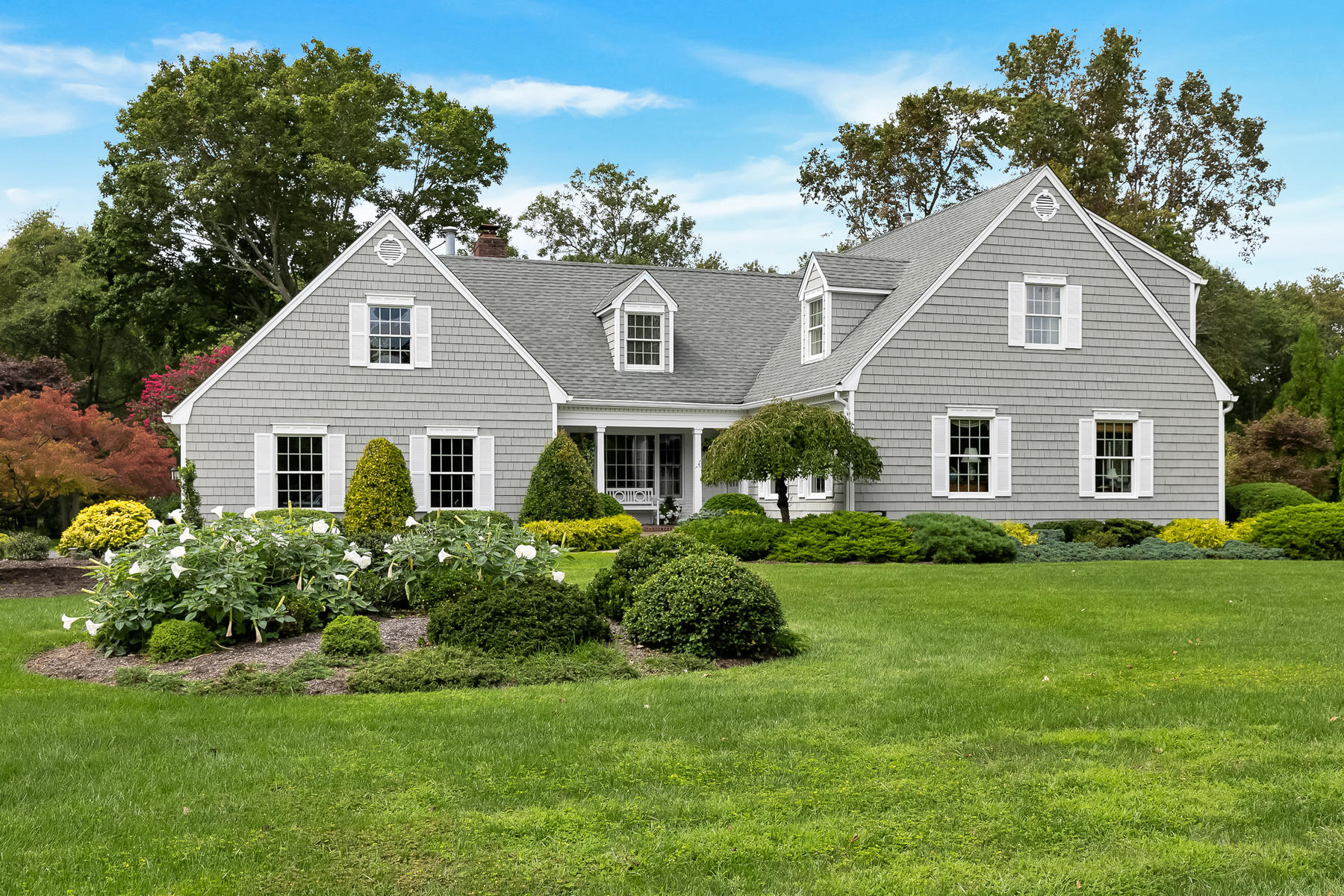 Single Family Homes por un Venta en SUPERB RUMSON LIVING 6 Rivers Edge Drive Rumson, Nueva Jersey 07760 Estados Unidos