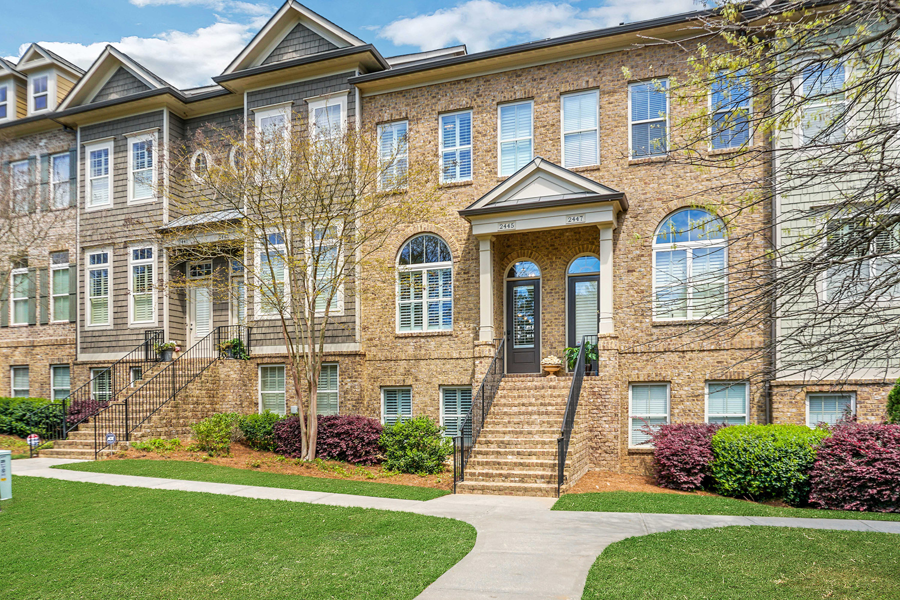 townhouses for Sale at Luxurious Brookhaven-Chamblee Townhome 2445 Gatebury Circle Chamblee, Georgia 30341 United States