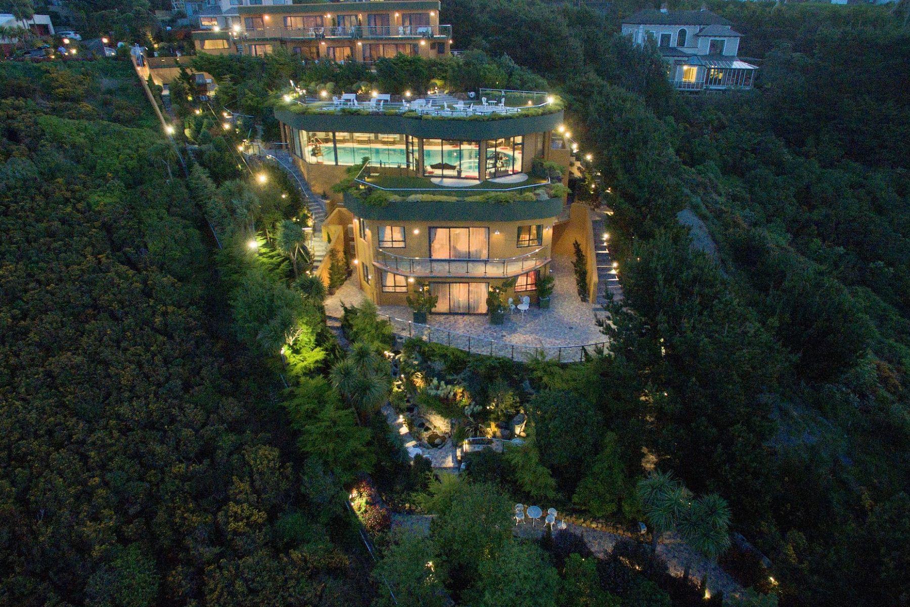 Other Residential Homes для того Продажа на 19 Monteith Grove, Brooklyn Wellington, Веллингтон 6021 Новая Зеландия