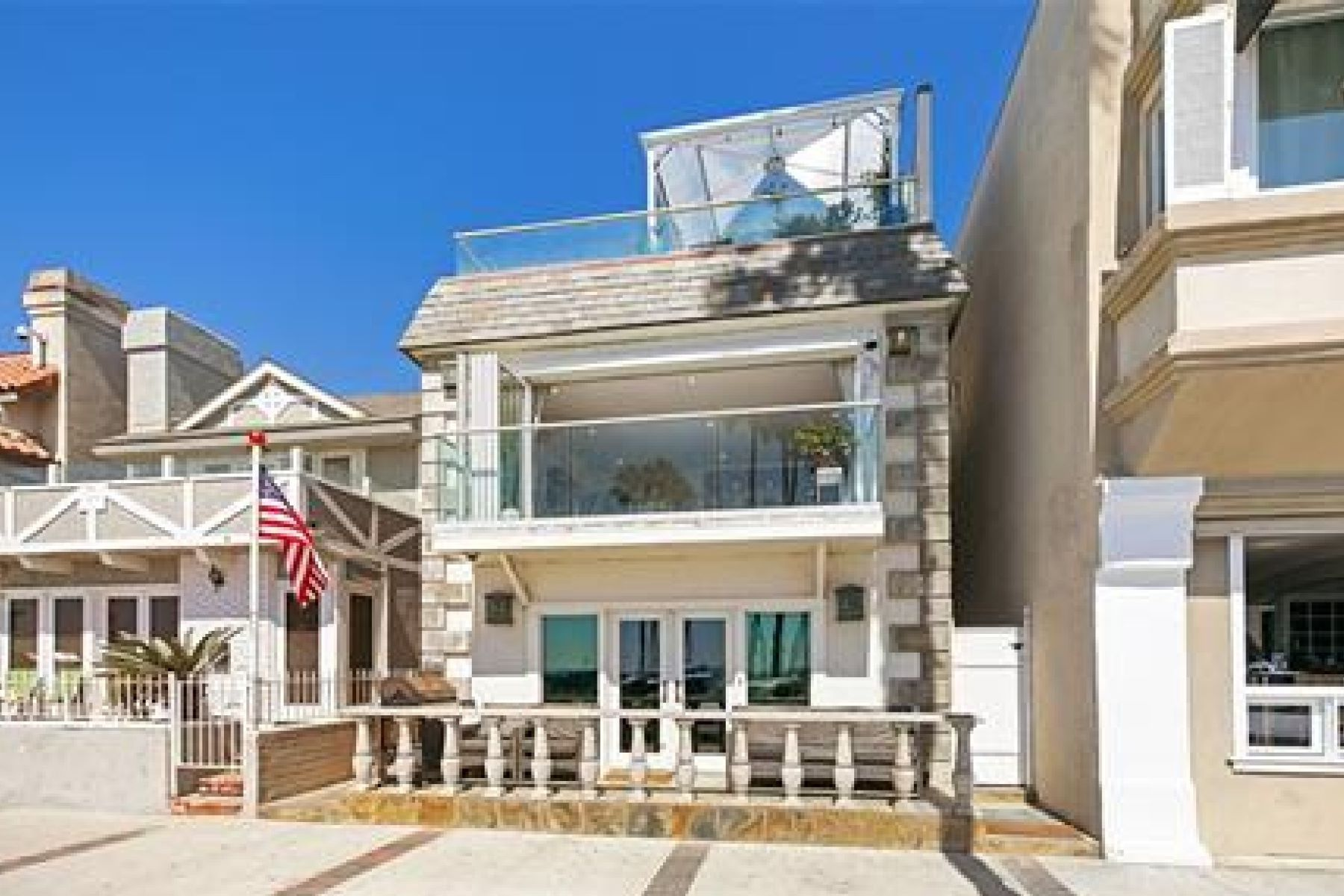 Single Family Homes for Sale at 2308 W Oceanfront Newport Beach, California 92663 United States