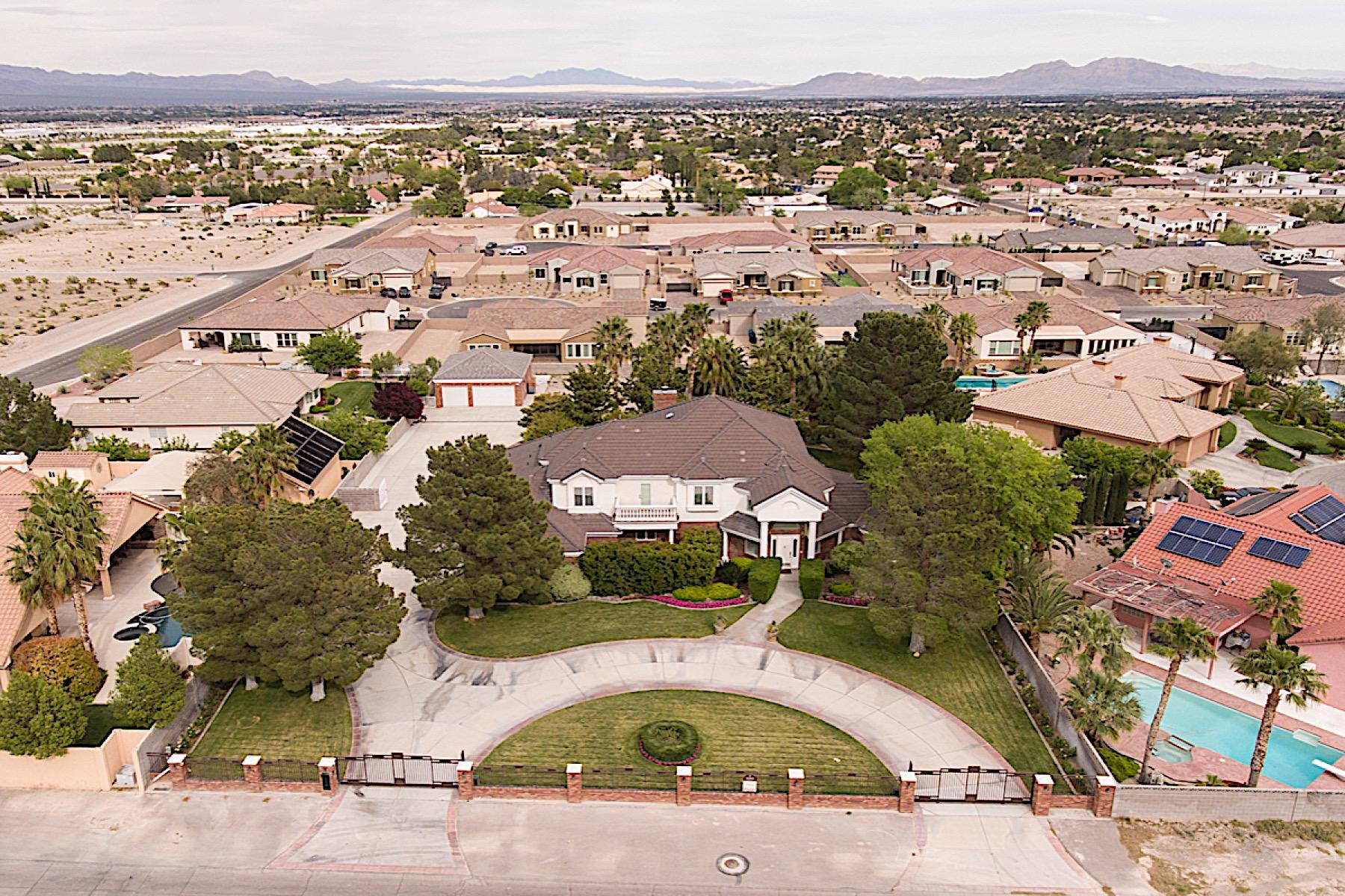 Nhà ở một gia đình vì Bán tại 5860 Campbell Road, Las Vegas, NV 89149 Las Vegas, Nevada, 89149 Hoa Kỳ