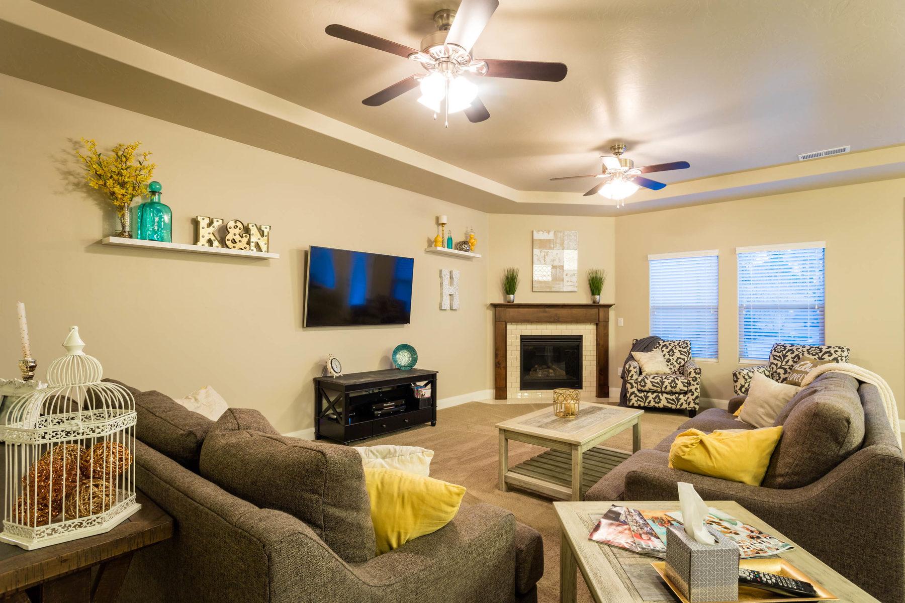 Nhà ở một gia đình vì Bán tại Stunning Boulder Springs Villa 1620 E 1450 S #57 St. George, Utah, 84790 Hoa Kỳ