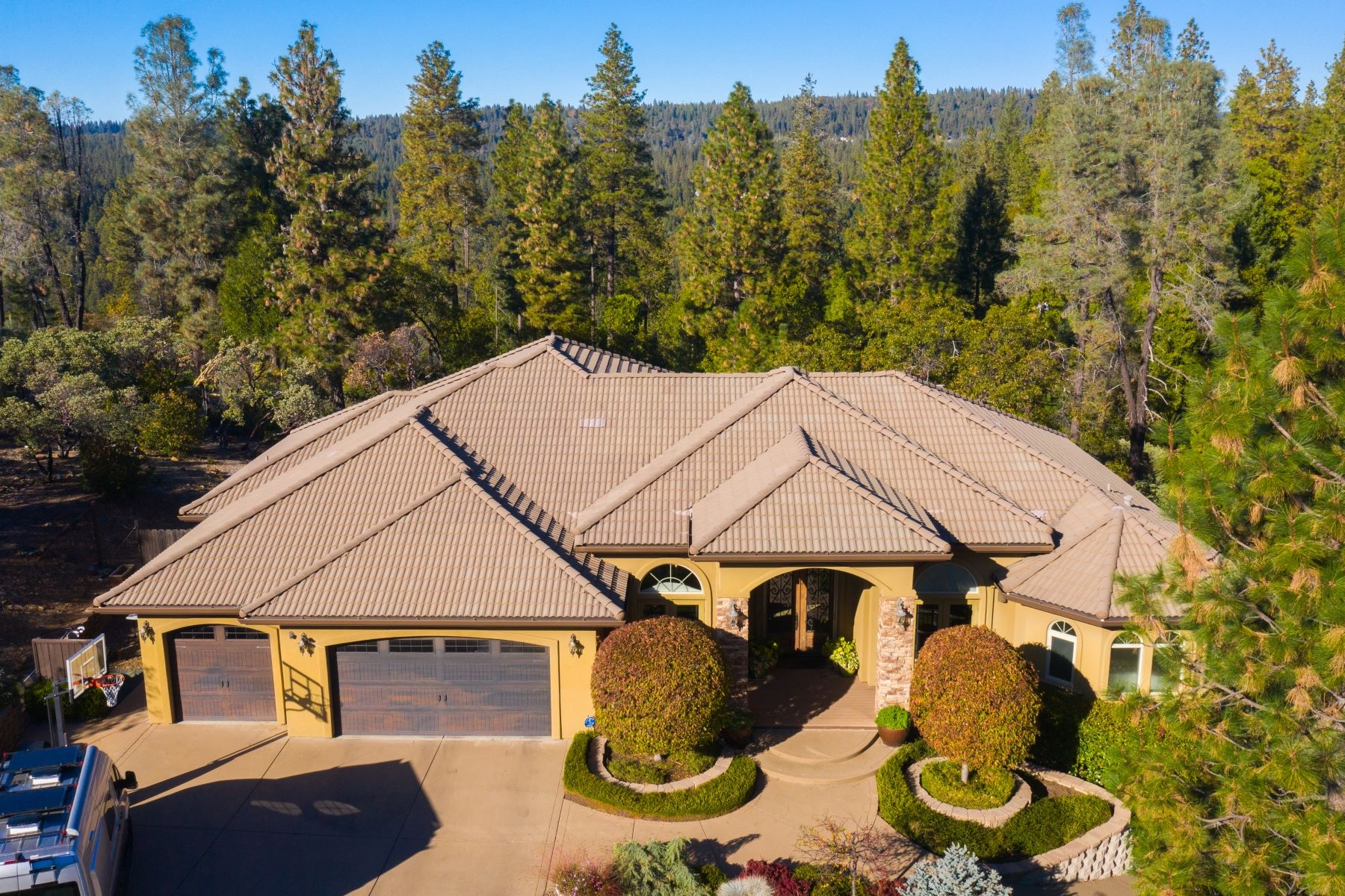 Additional photo for property listing at 11492 Deer Creek Ln, Nevada City, CA 95959 11492 Deer Creek Lane Nevada City, California 95959 United States