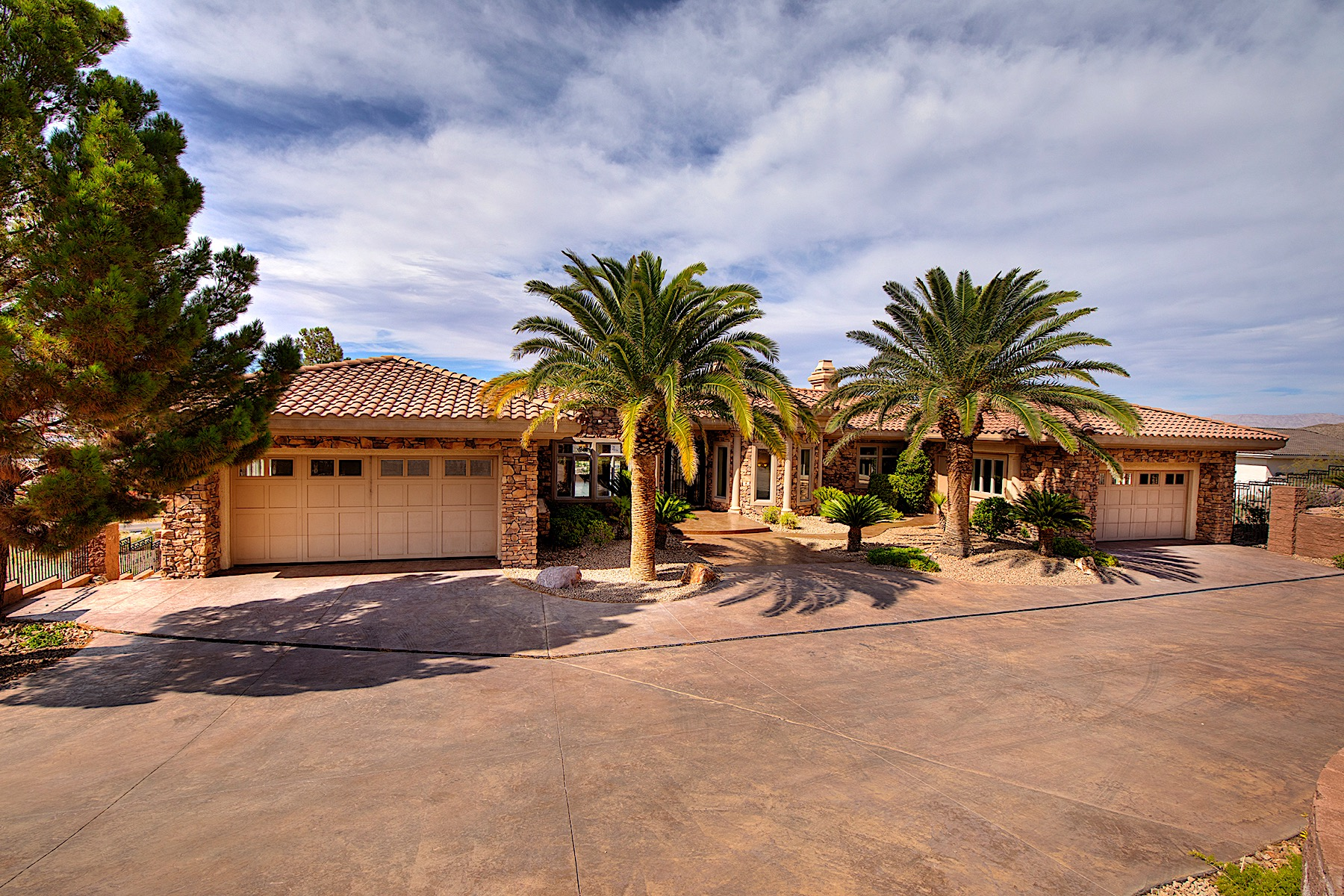 Single Family Homes for Sale at 1316 Alpine Drive, Boulder City, NV 89005 1316 Alpine Drive Boulder City, Nevada 89005 United States