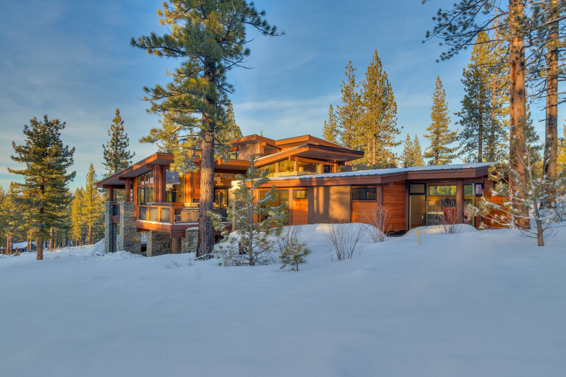 Single Family Home for Active at 8273 Ehrman Drive, Truckee, CA 8273 Ehrman Drive Truckee, California 96161 United States