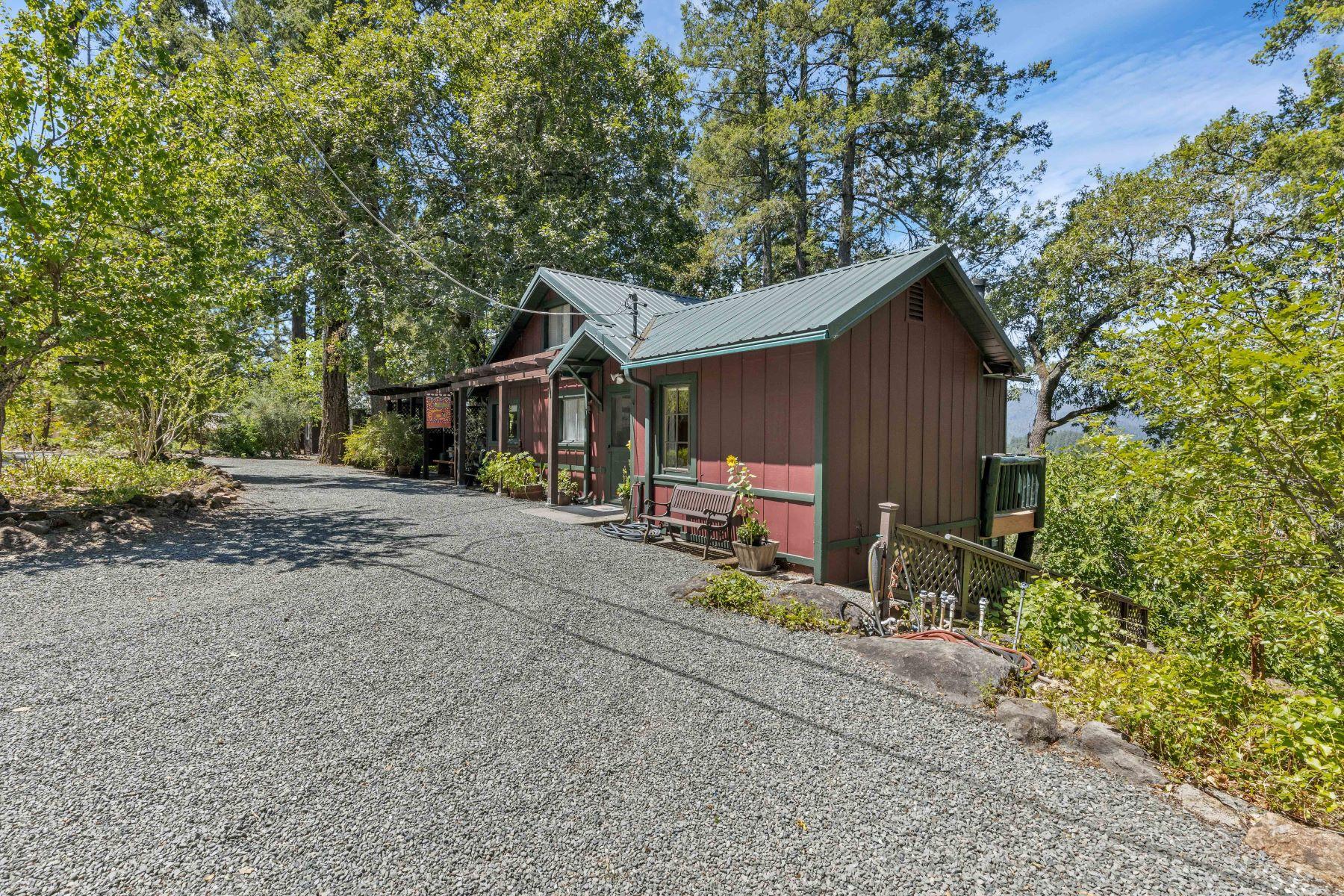 Single Family Homes 为 销售 在 570 Community Hall Lane 海伦娜, 加利福尼亚州 94574 美国