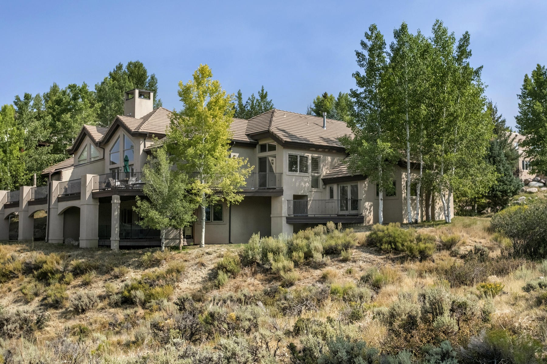 Duplex Homes のために 売買 アット Sweeping views of the Valley to the Sawatch Range 1581 Winslow Road #A, Edwards, コロラド 81632 アメリカ