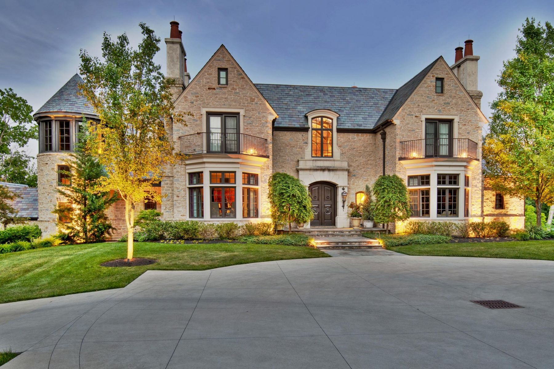 Casa Unifamiliar por un Venta en 3020 Scioto Estates Columbus, Ohio 43221 Estados Unidos