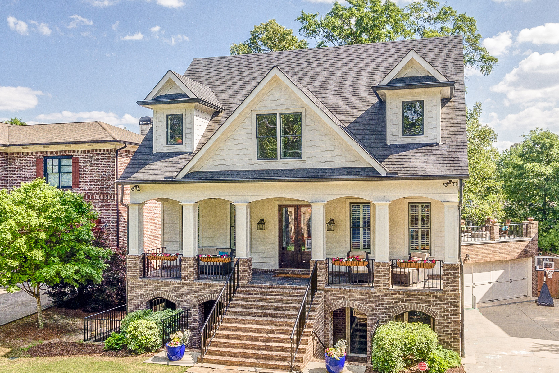 Single Family Home for Sale at Beautiful Brookhaven Home 1393 Noel Drive Brookhaven, Georgia 30319 United States