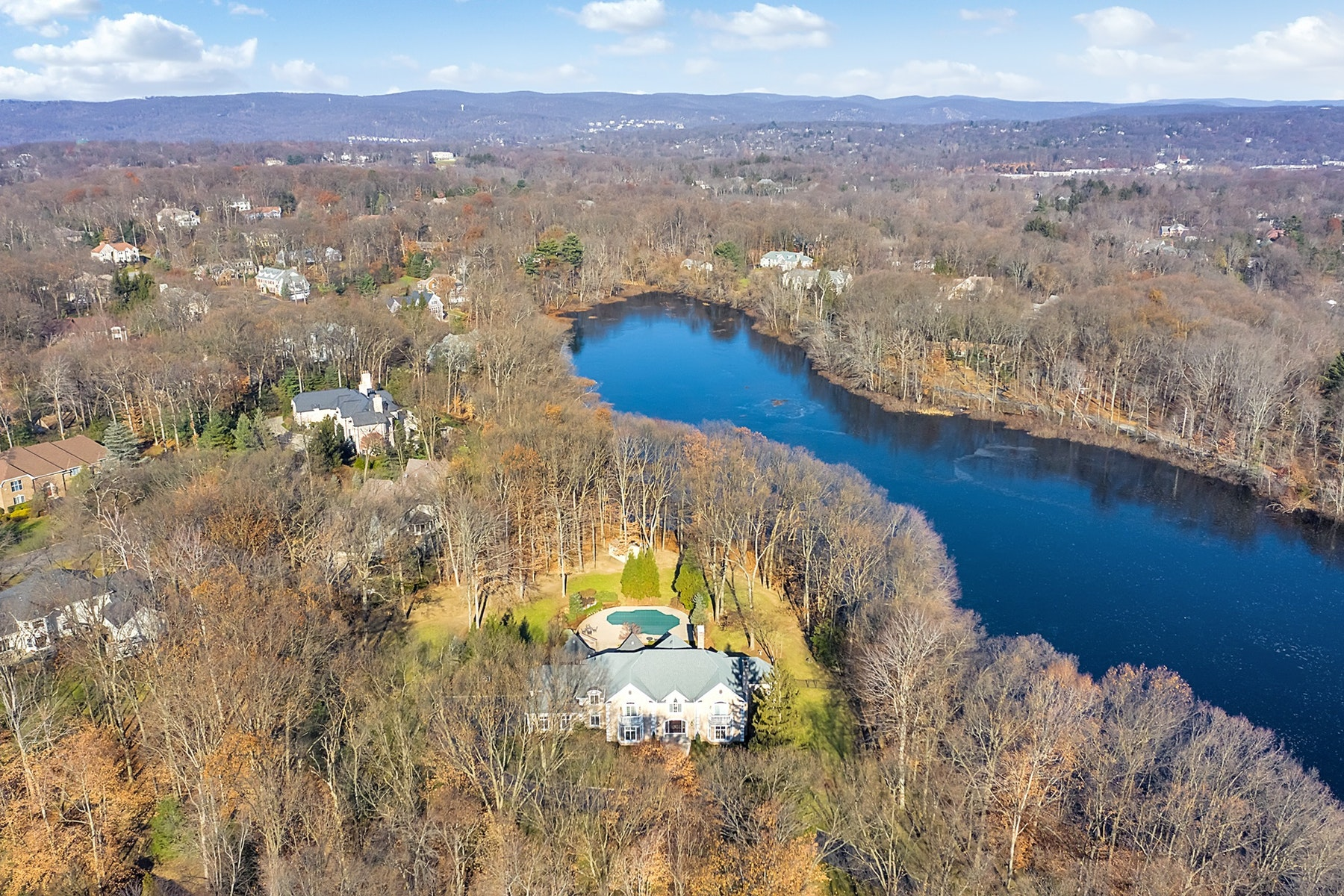 Single Family Home for Sale at Water Front Estate on 8.3 Acres 380 Crescent Drive, Franklin Lakes, New Jersey 07417 United States