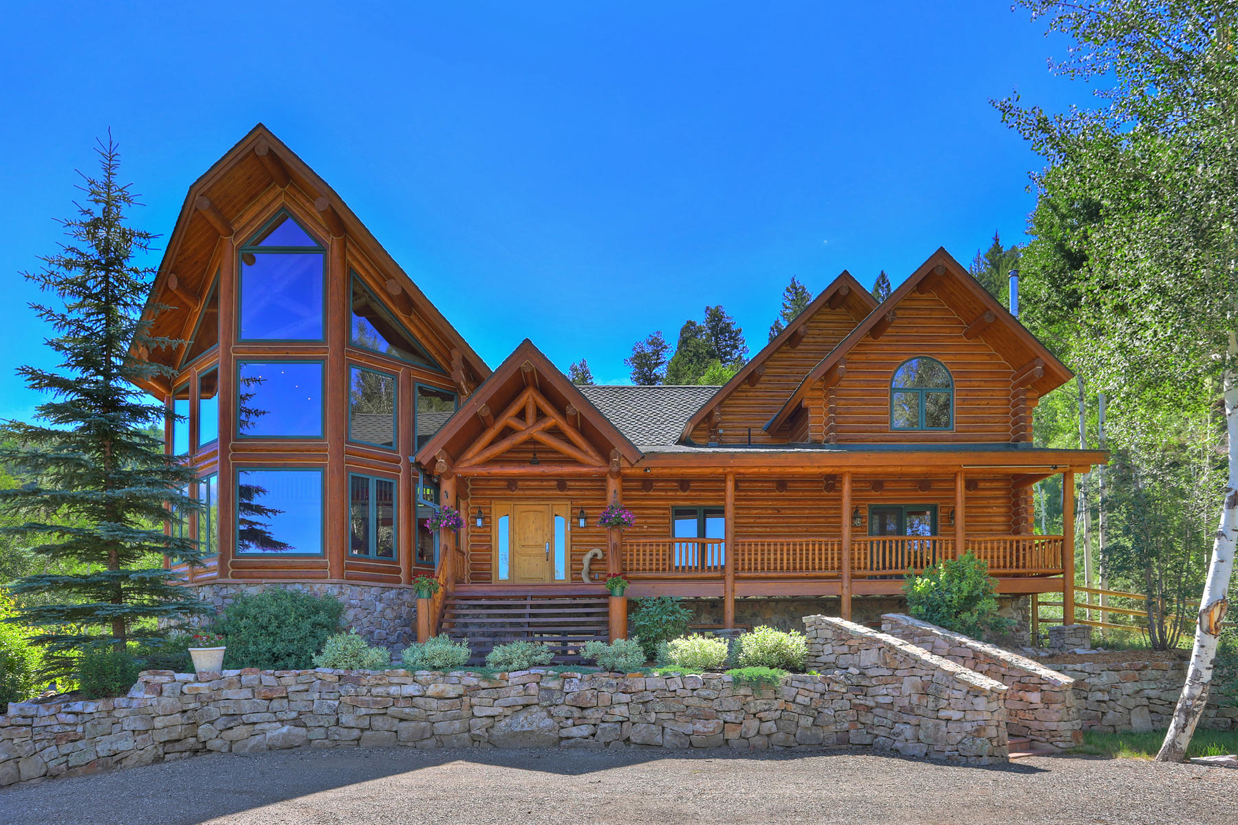 Single Family Homes for Active at Exceptional Log Home on 20 Acres 0630 CR 2407 Silverthorne, Colorado 80498 United States