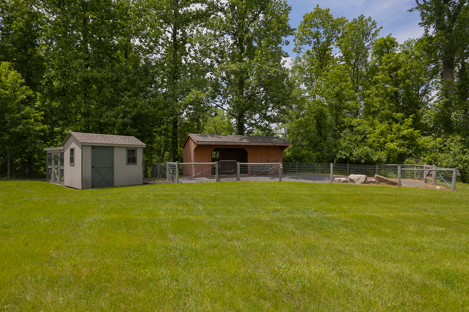 Additional photo for property listing at 479 Imperial Drive  Mohnton, Pennsylvania 19540 United States
