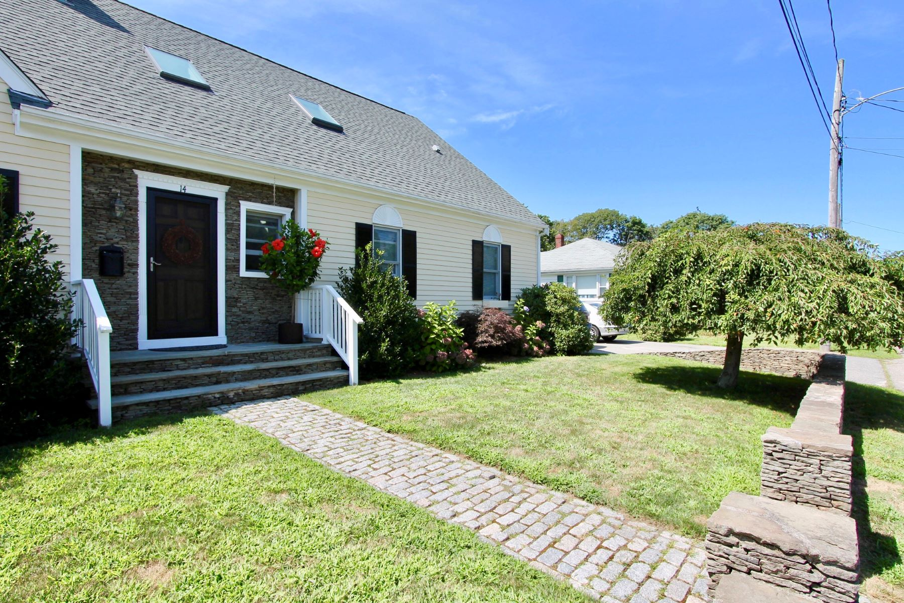 Additional photo for property listing at Boulevard Neighborhood 14 Clayton Street Middletown, Rhode Island 02842 United States