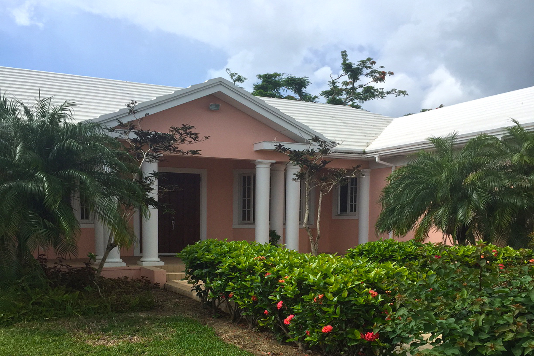 Single Family Home for Rent at Lyford Cay Rental Home Lyford Cay, Nassau And Paradise Island Bahamas