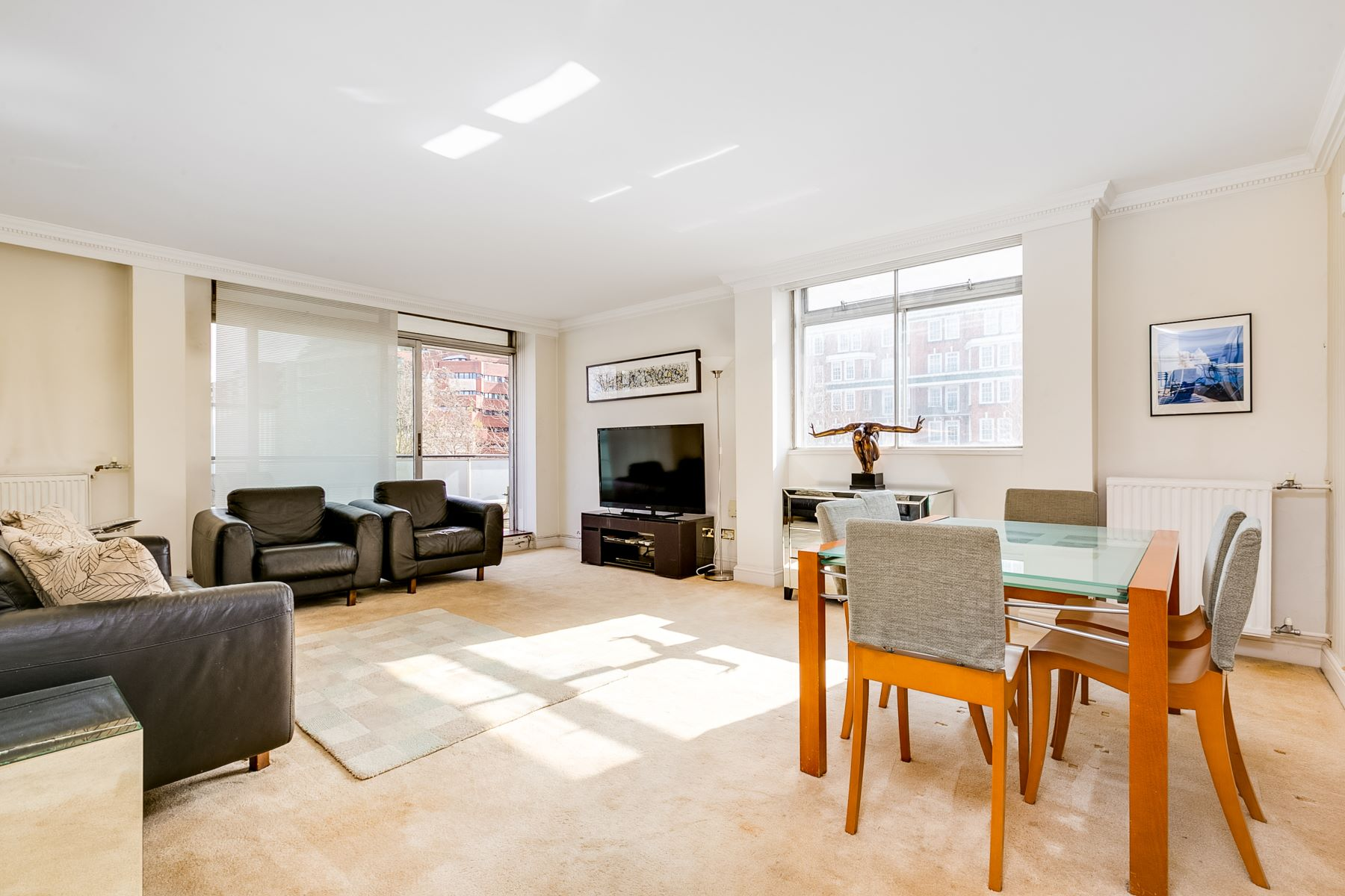 公寓 為 出售 在 Century Court, St John's Wood London, 英格蘭, 英國