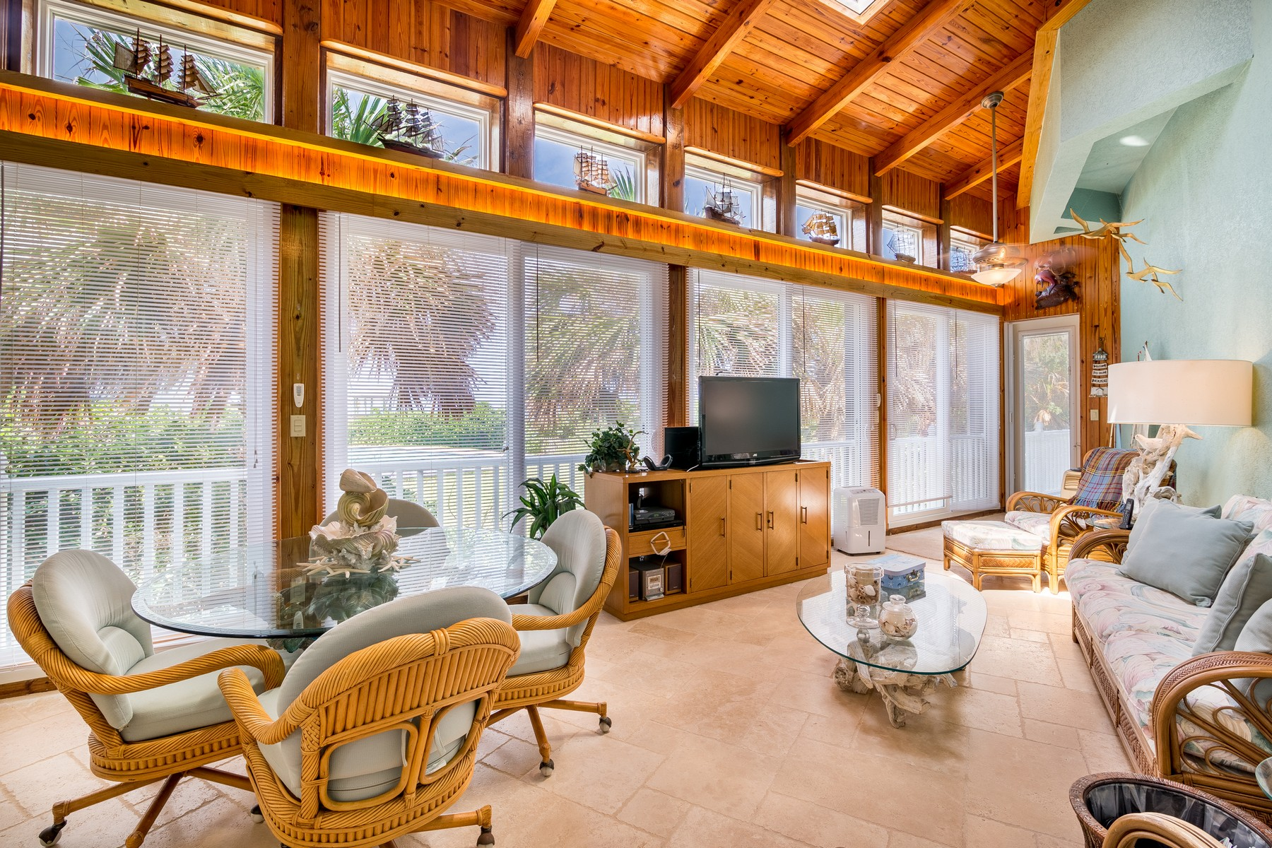 Additional photo for property listing at Luxurious Mediterranean Oceanfront Masterpiece 8345 Highway A1A, Melbourne Beach, Florida 32951 United States