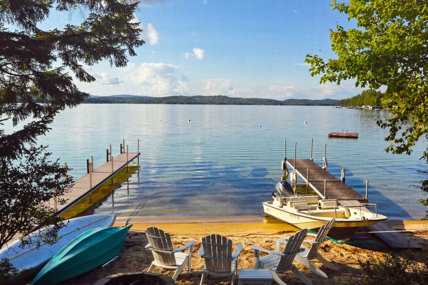 Single Family Homes por un Venta en Lake Sunapee Beachfront 332 Bowles Rd Newbury, Nueva Hampshire 03255 Estados Unidos
