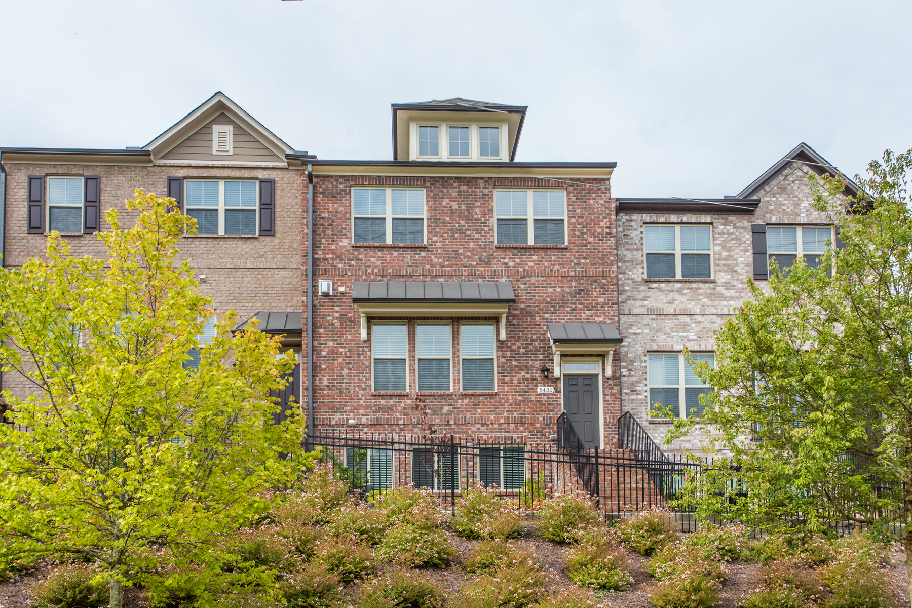 Townhouse for Active at Newer Townhome With Three Levels Of Living 5432 Cameron Parc Drive Johns Creek, Georgia 30022 United States