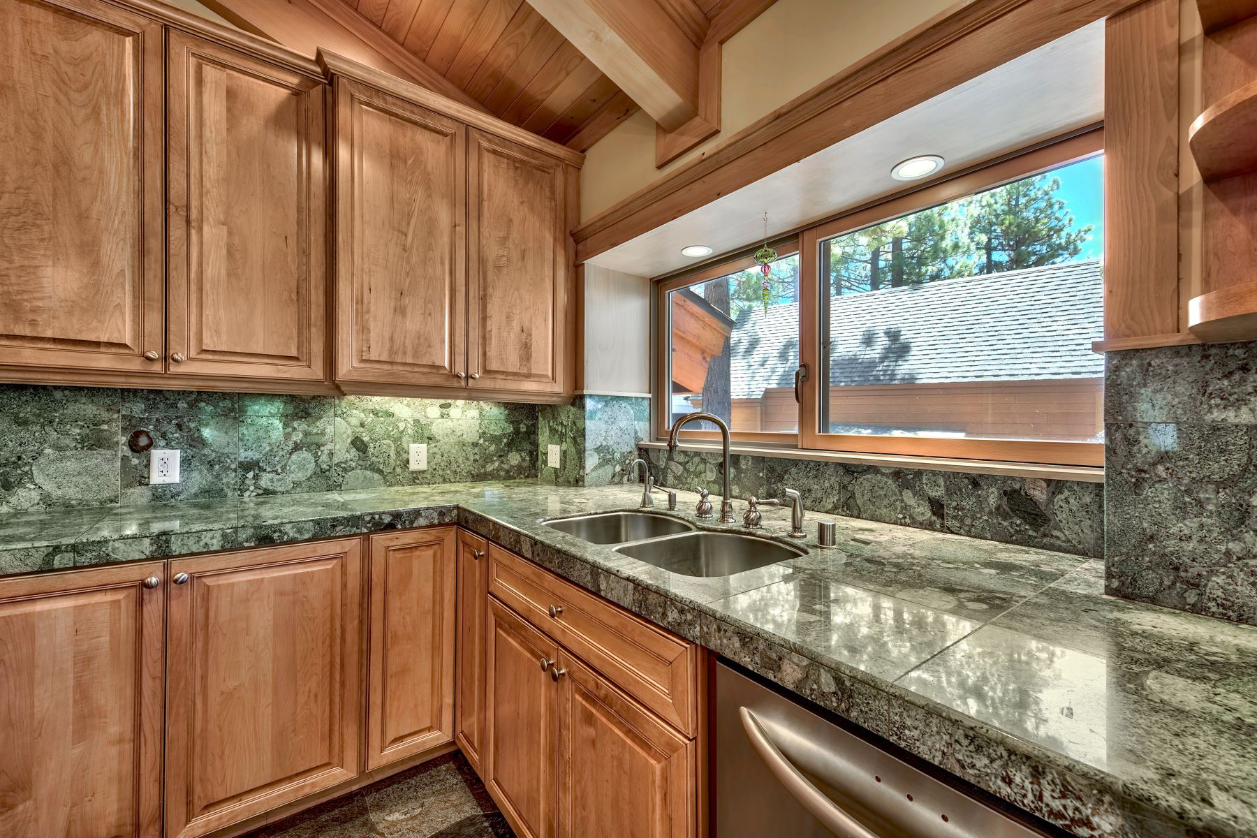 Additional photo for property listing at Incline Entertainer's Delight 822 Ellen Court Incline Village, Nevada 89451 United States