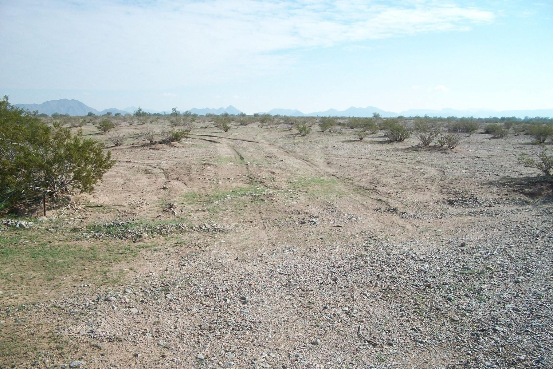 Land for Active at Perfect lot in Gila Bend 0 E ADOBE RANCH -- 3 Gila Bend, Arizona 85337 United States