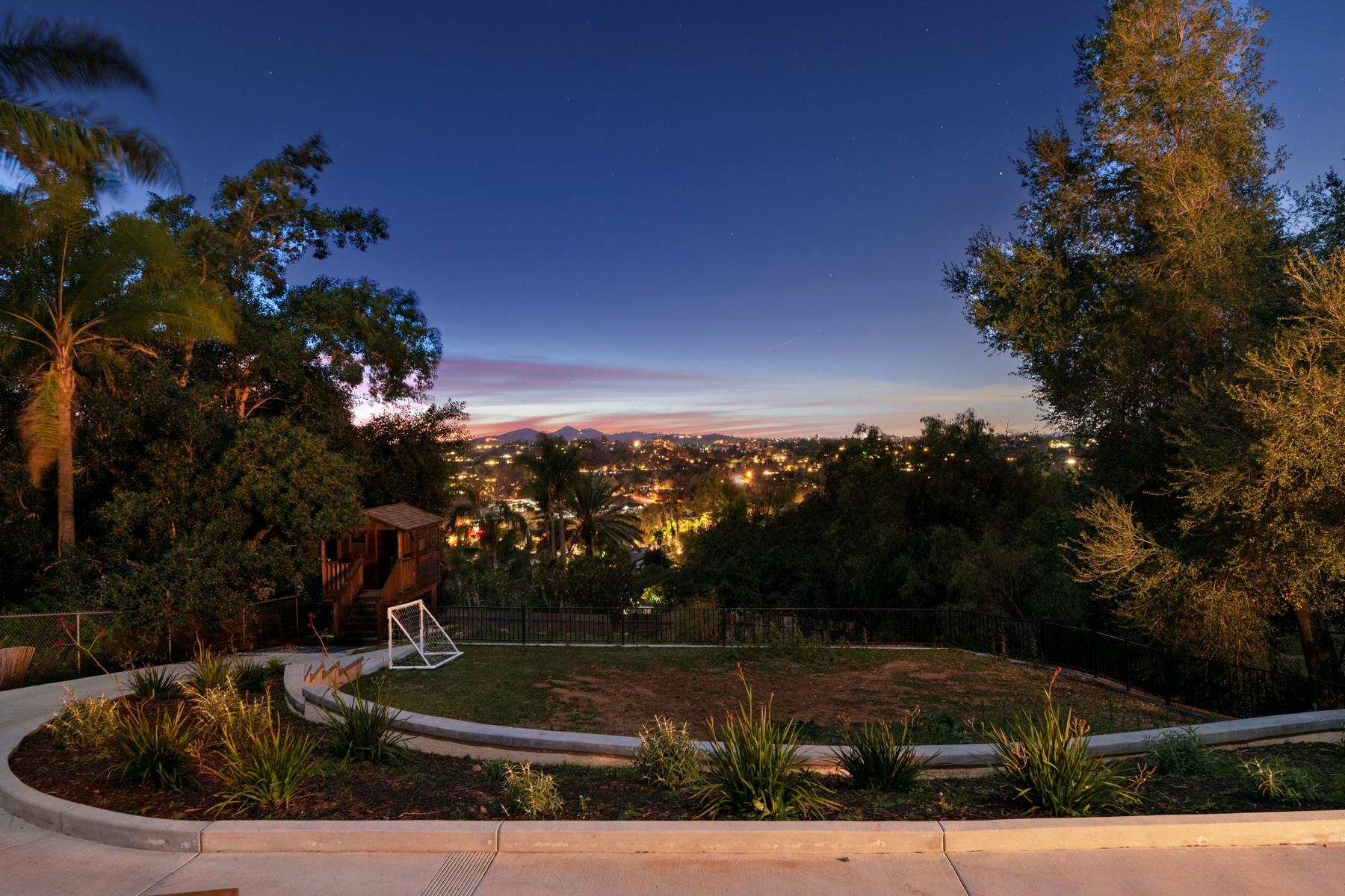 Single Family Homes para Venda às Escondido, Califórnia 92025 Estados Unidos