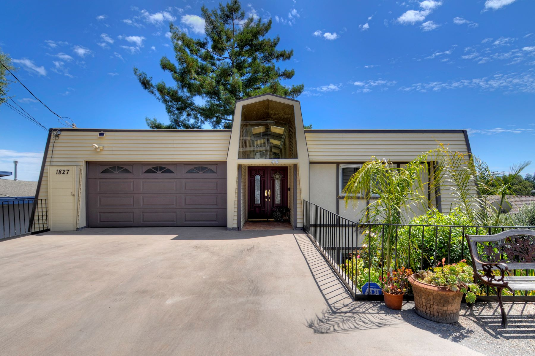 Single Family Homes for Active at Unique Home with Spectacular Views 1827 Mezes Avenue Belmont, California 94002 United States