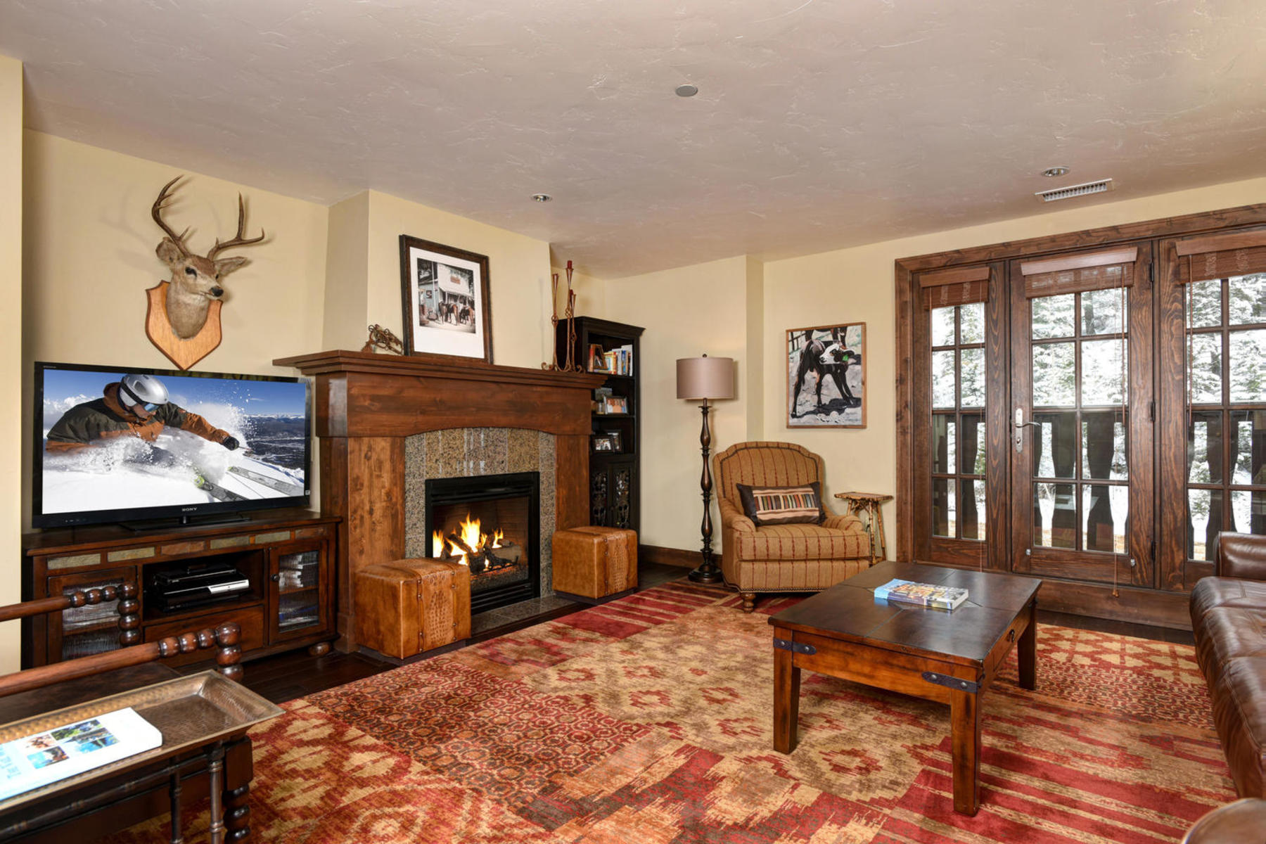 Condominium for Active at The Ascent Residence 303 38390 Hwy 6 303 Beaver Creek, Colorado 81620 United States