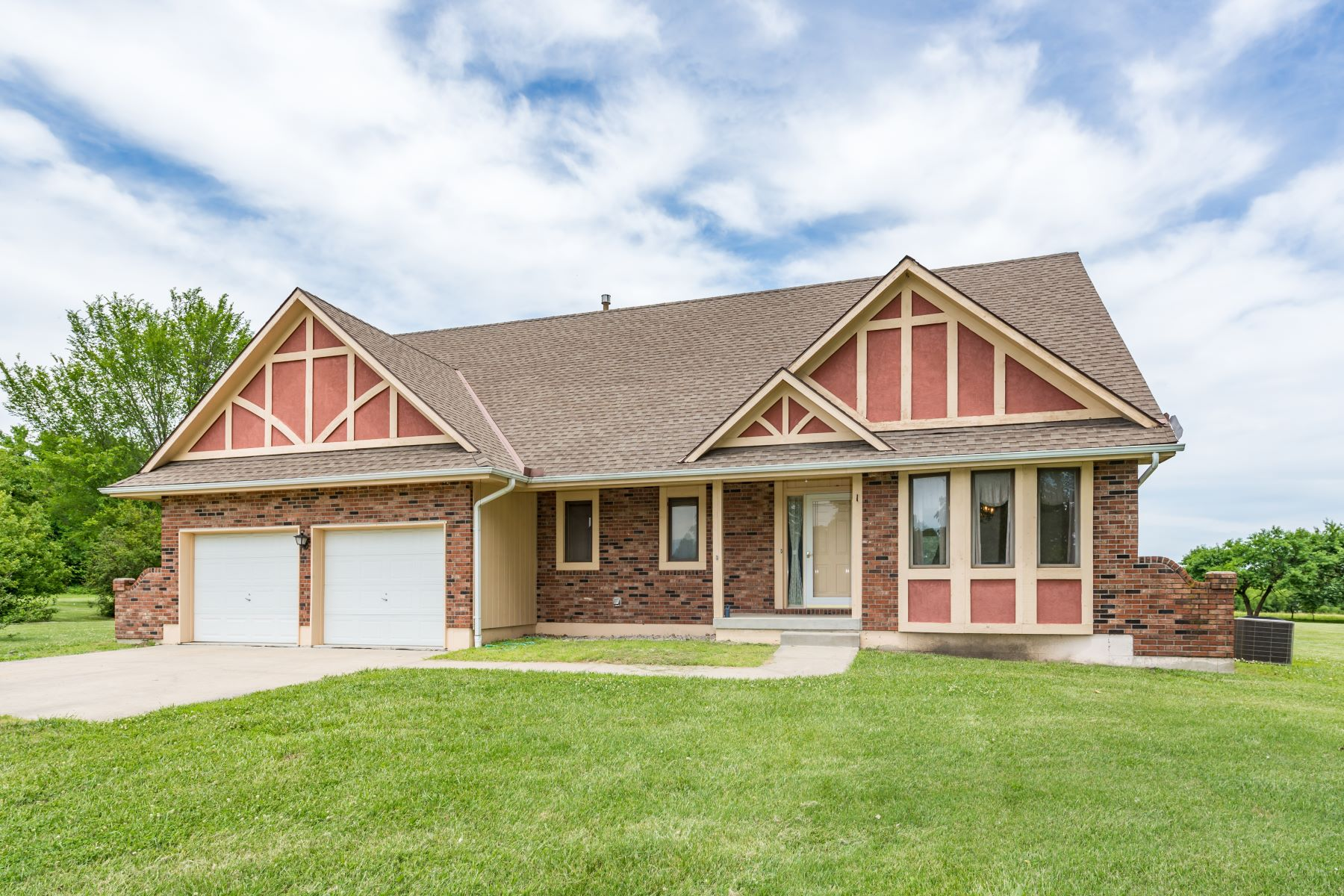 Single Family Homes for Sale at 18410 Moorland Drive Pleasant Hill, Missouri 64080 United States